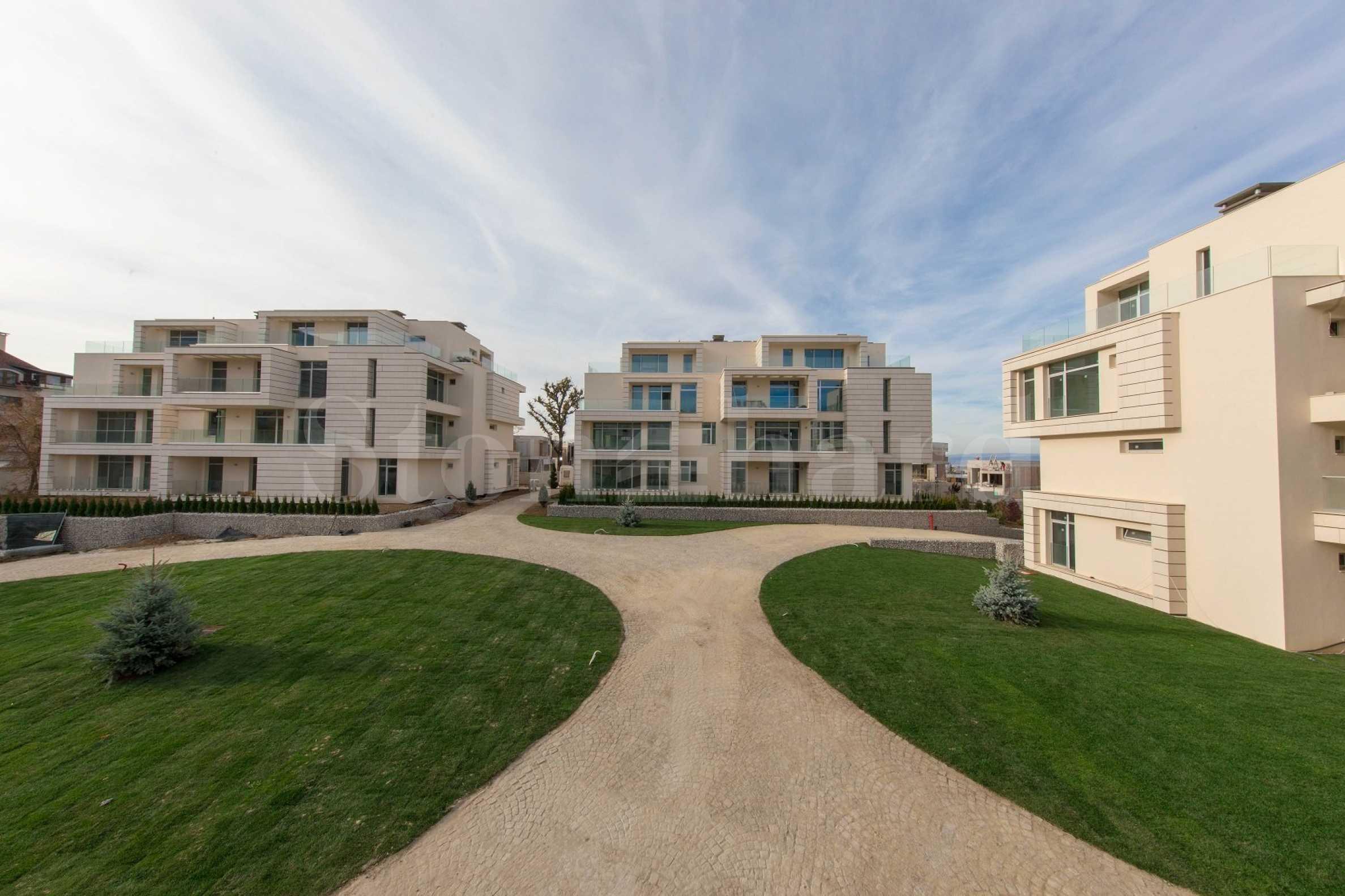 Луксозен комплекс Royal Park с огромна паркова зона2 - Stonehard