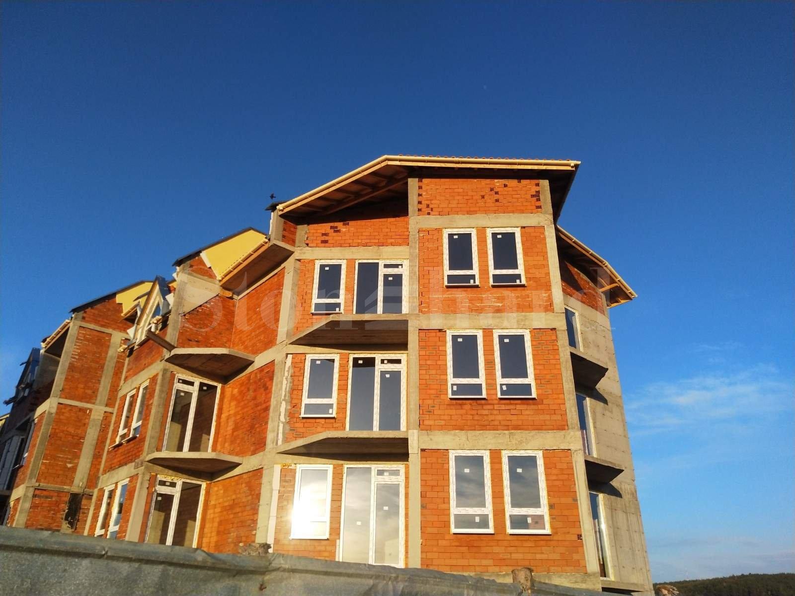 New apartments in gated complex near Sofia2 - Stonehard