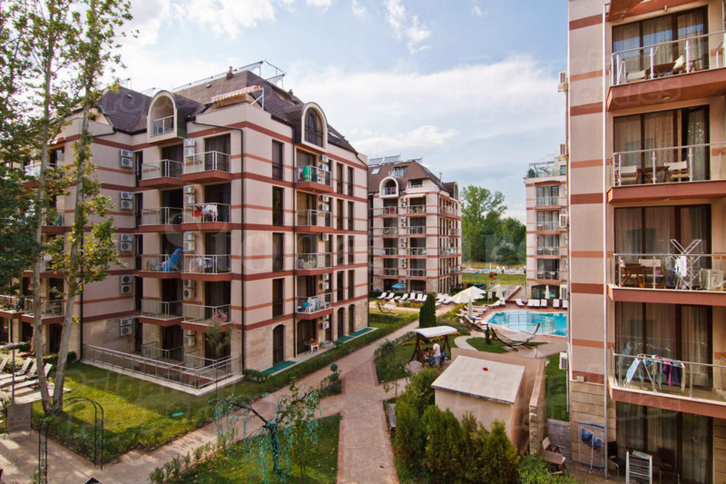 Buy-to-let apartments in a luxury complex with a park1 - Stonehard