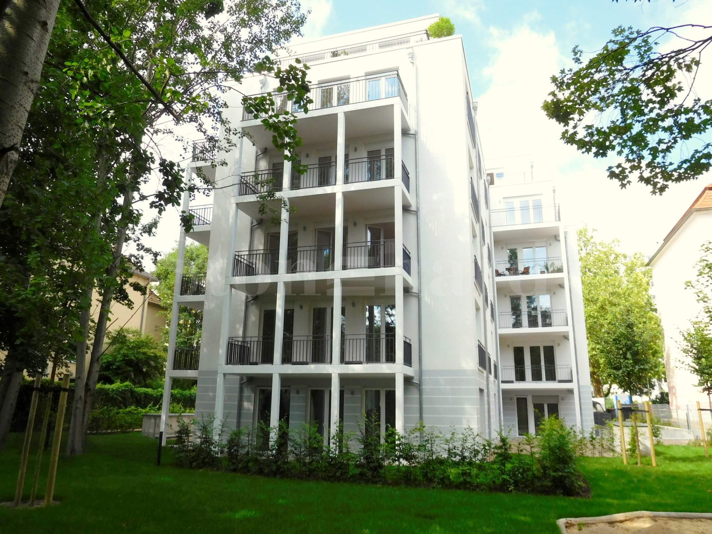 Нова сграда със собствена паркова зона в бързо развиващ се квартал1 - Stonehard