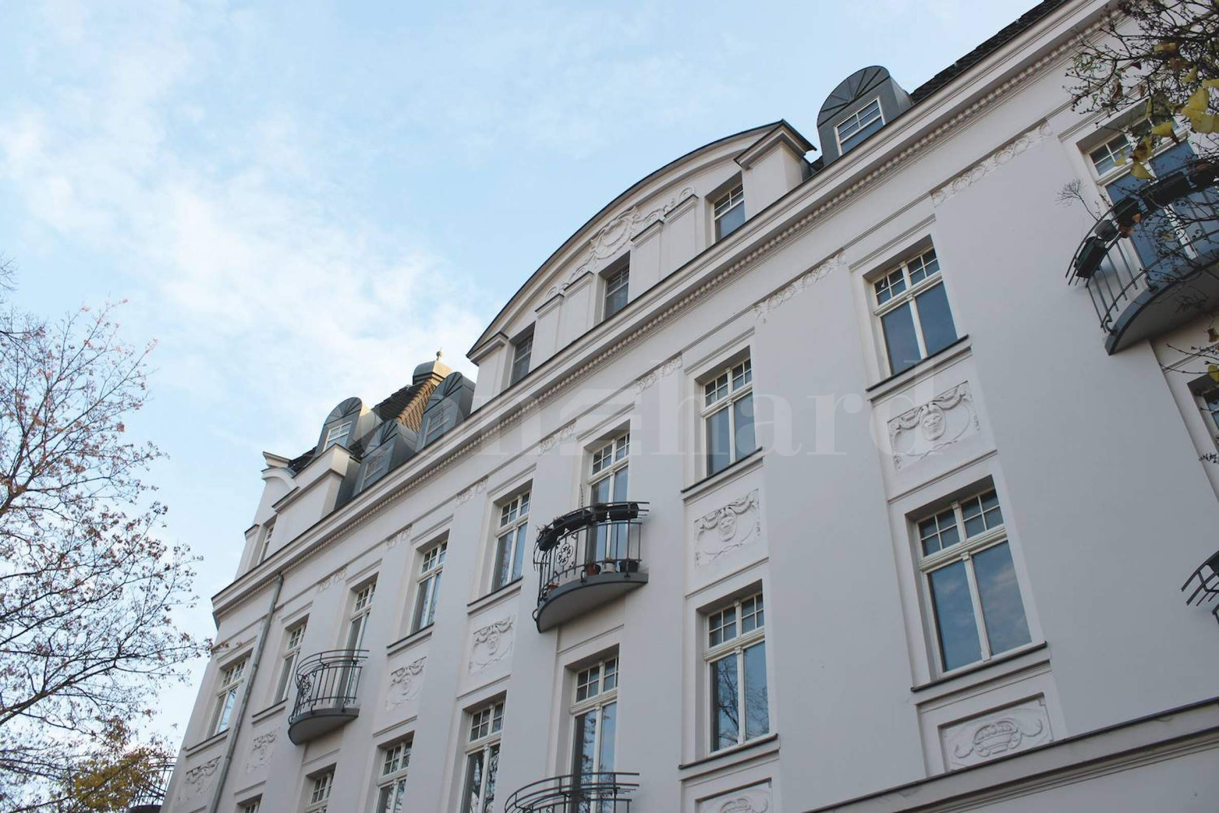Buy-to-let apartments in solid building in green district2 - Stonehard