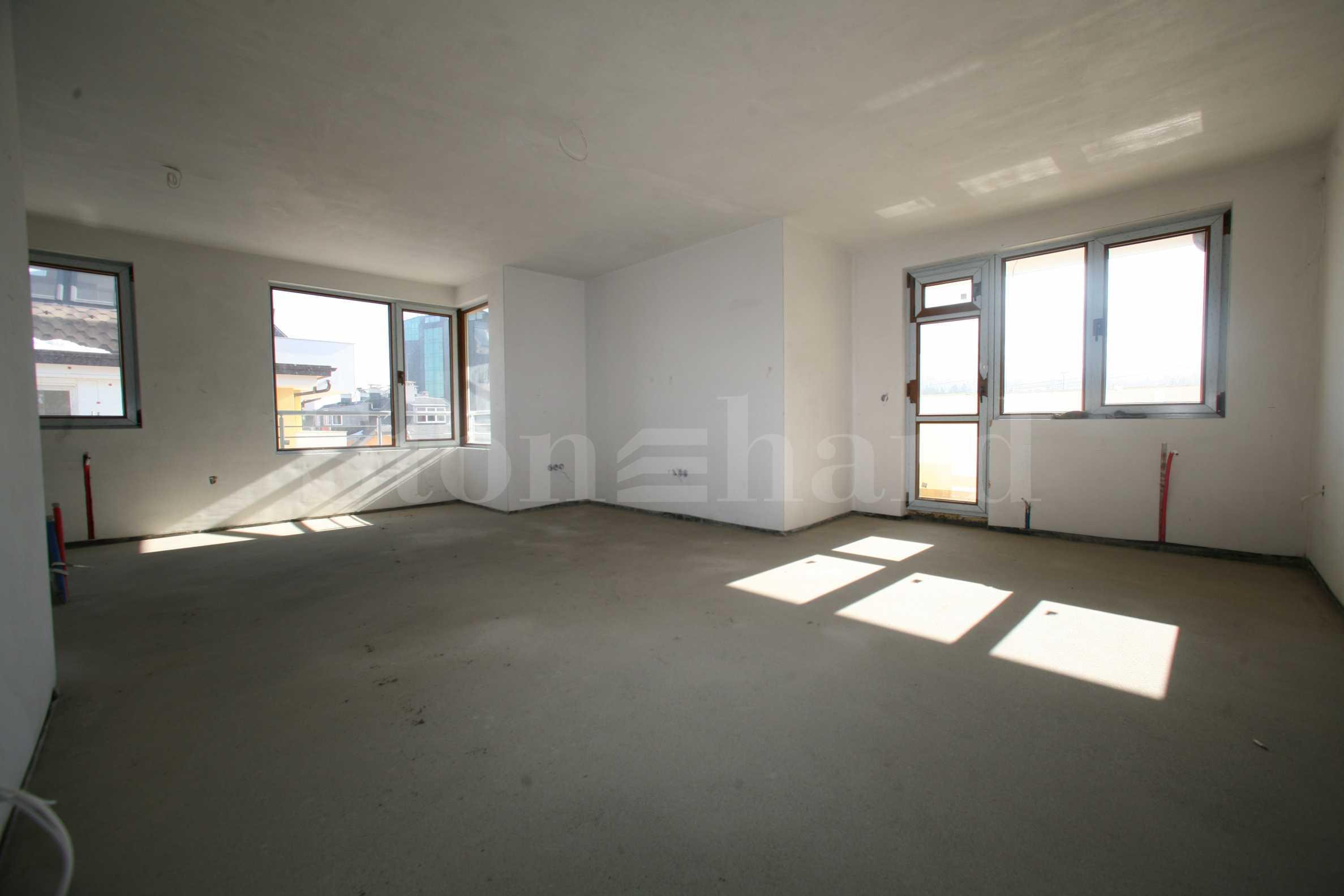 Апартаменти от 700 евро на кв.м. в затворен комплекс срещу Резиденция Бояна  1 - Stonehard
