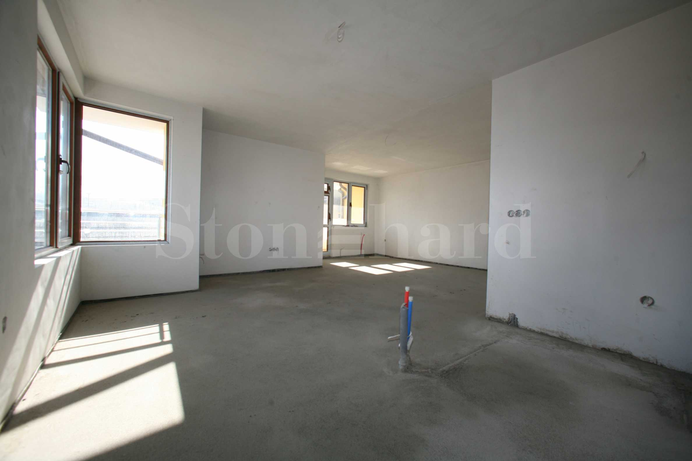 Newly-built apartments with starting price of 700 Euro/sq.m. in a gated complex opposite Boyana Residence2 - Stonehard