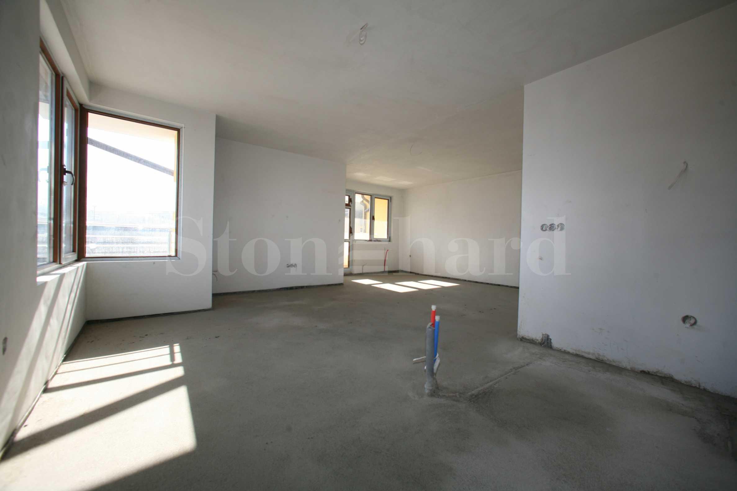 Апартаменти от 700 евро на кв.м. в затворен комплекс срещу Резиденция Бояна  2 - Stonehard