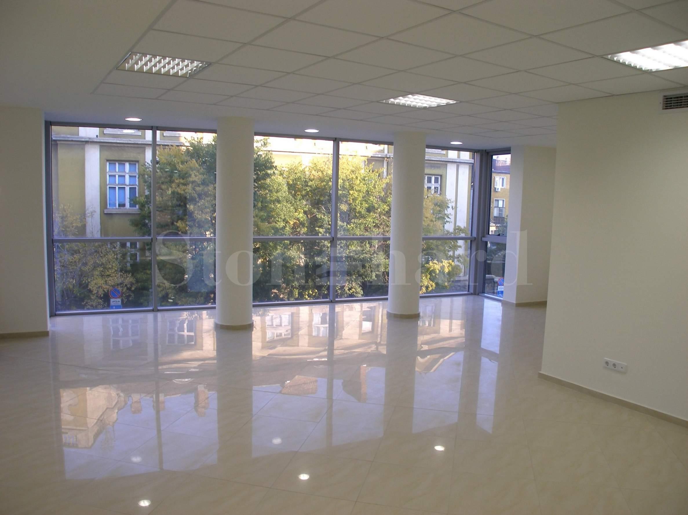 Офиси в хубава административна сграда в идеалния център на София2 - Stonehard
