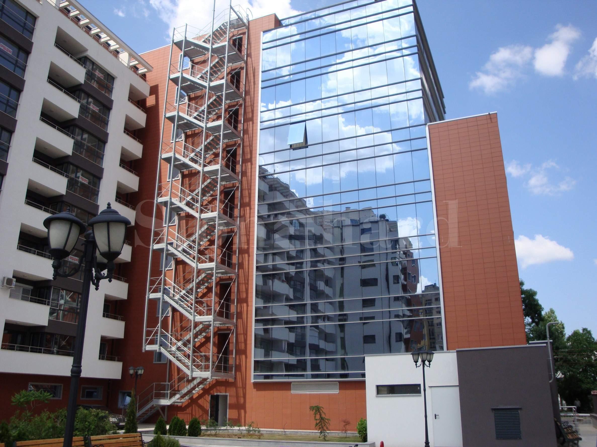 Luxury office building near metro station Konstantin Velichkov1 - Stonehard