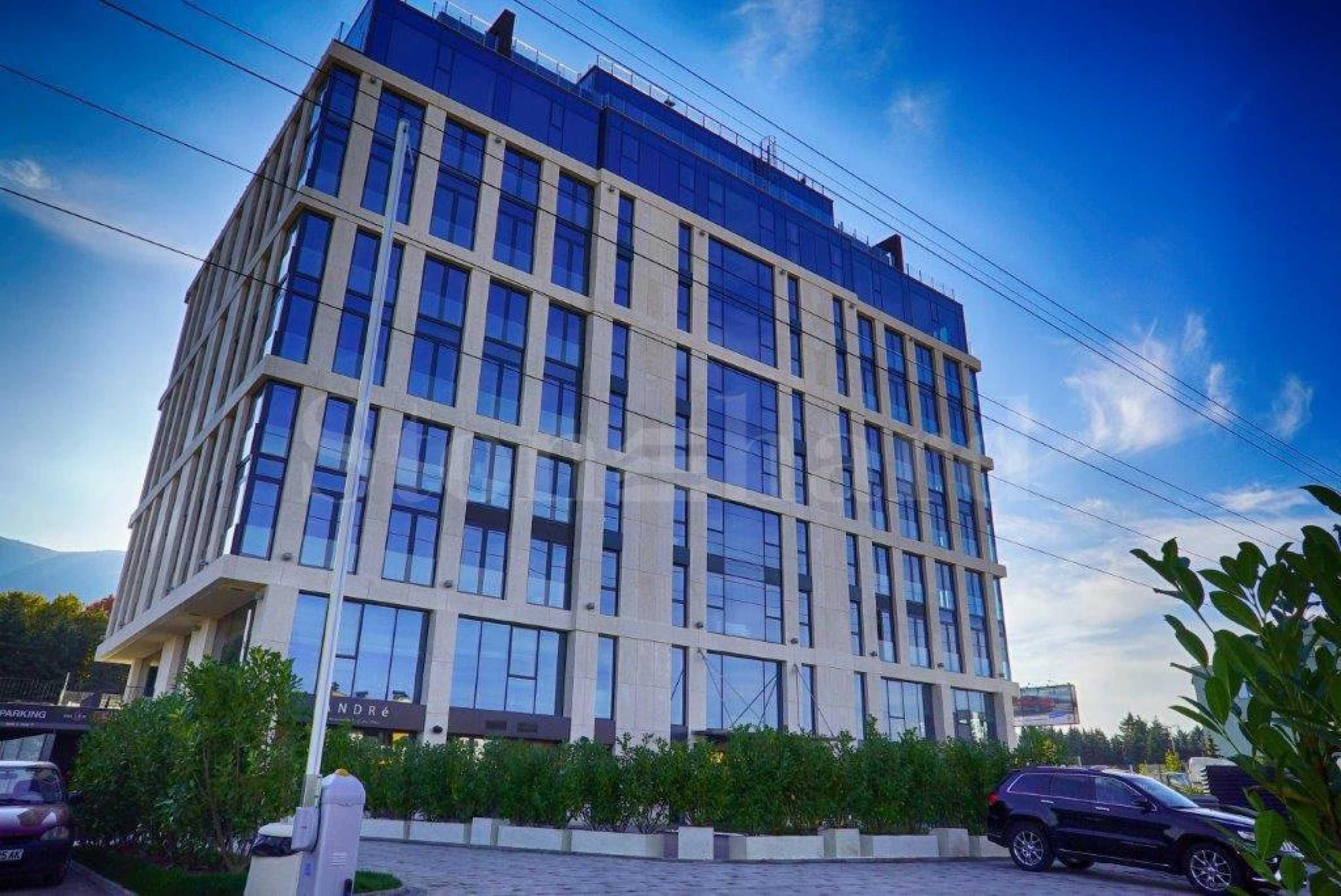 Сграда с апартаменти с впечатляващ дизайн и отлична локация 1 - Stonehard