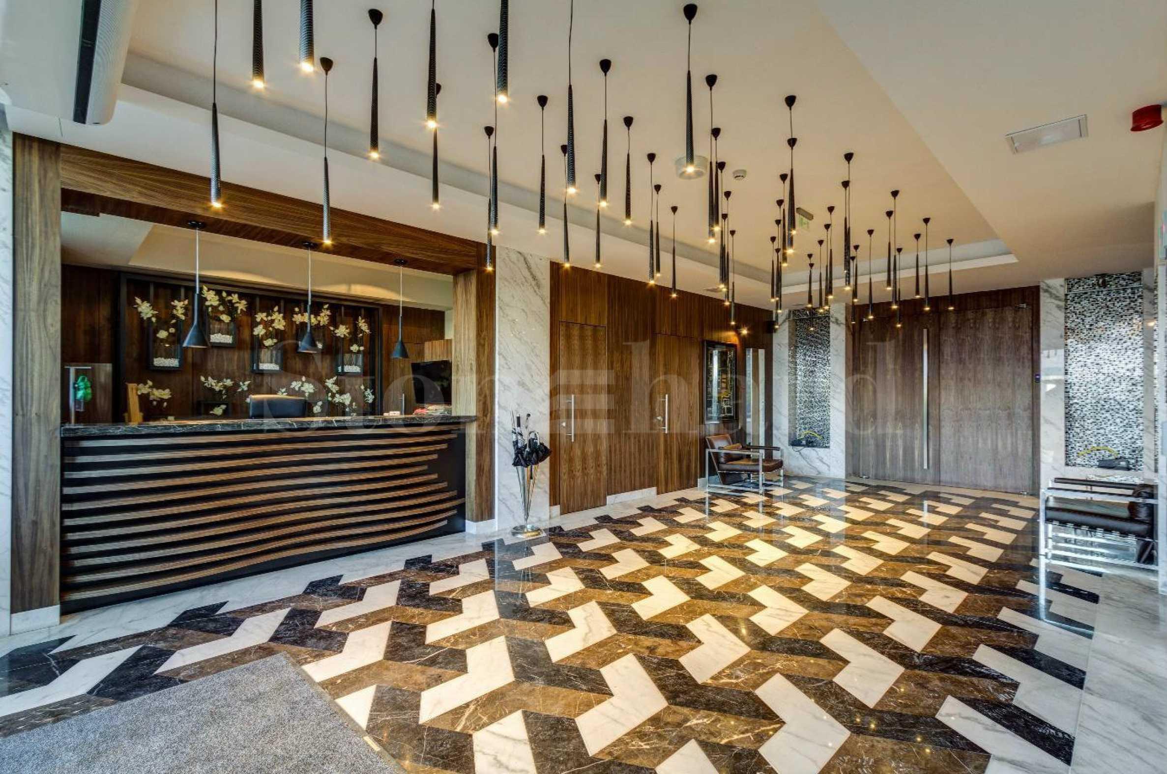Сграда с апартаменти с впечатляващ дизайн и отлична локация 2 - Stonehard