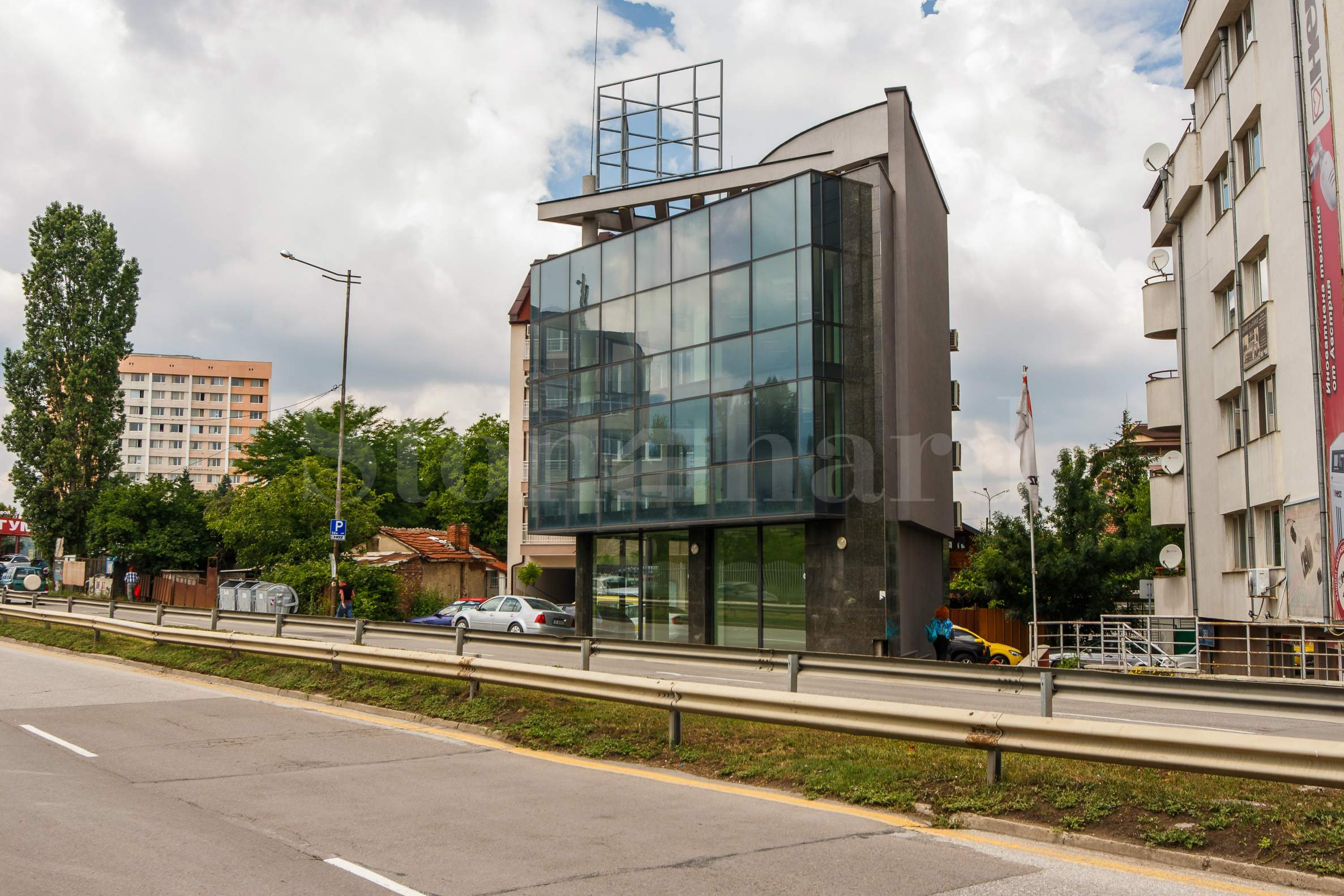 Модерна нова офис сграда с отлична локация1 - Stonehard