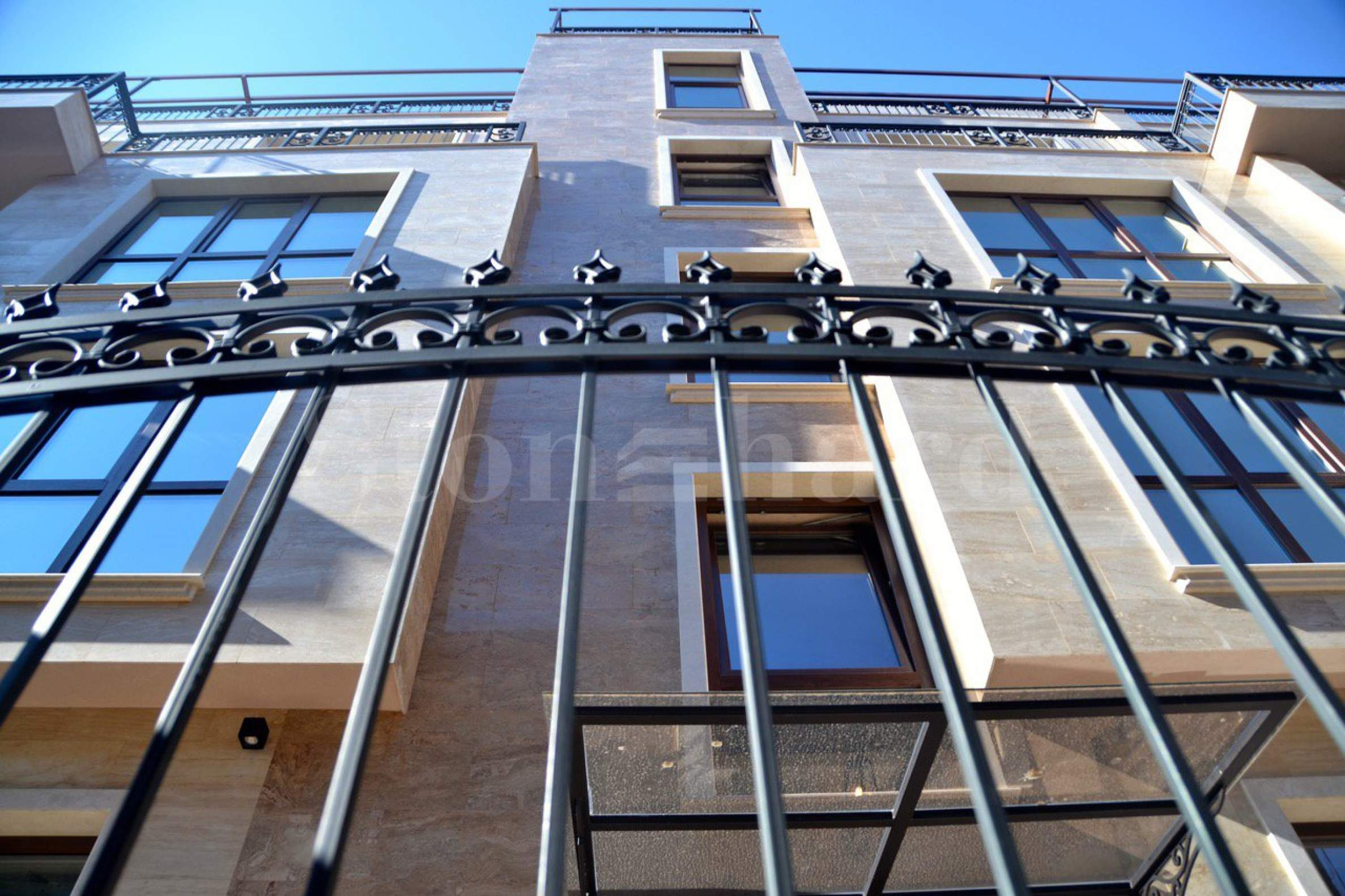 Elite apartments in a boutique building in the city center1 - Stonehard