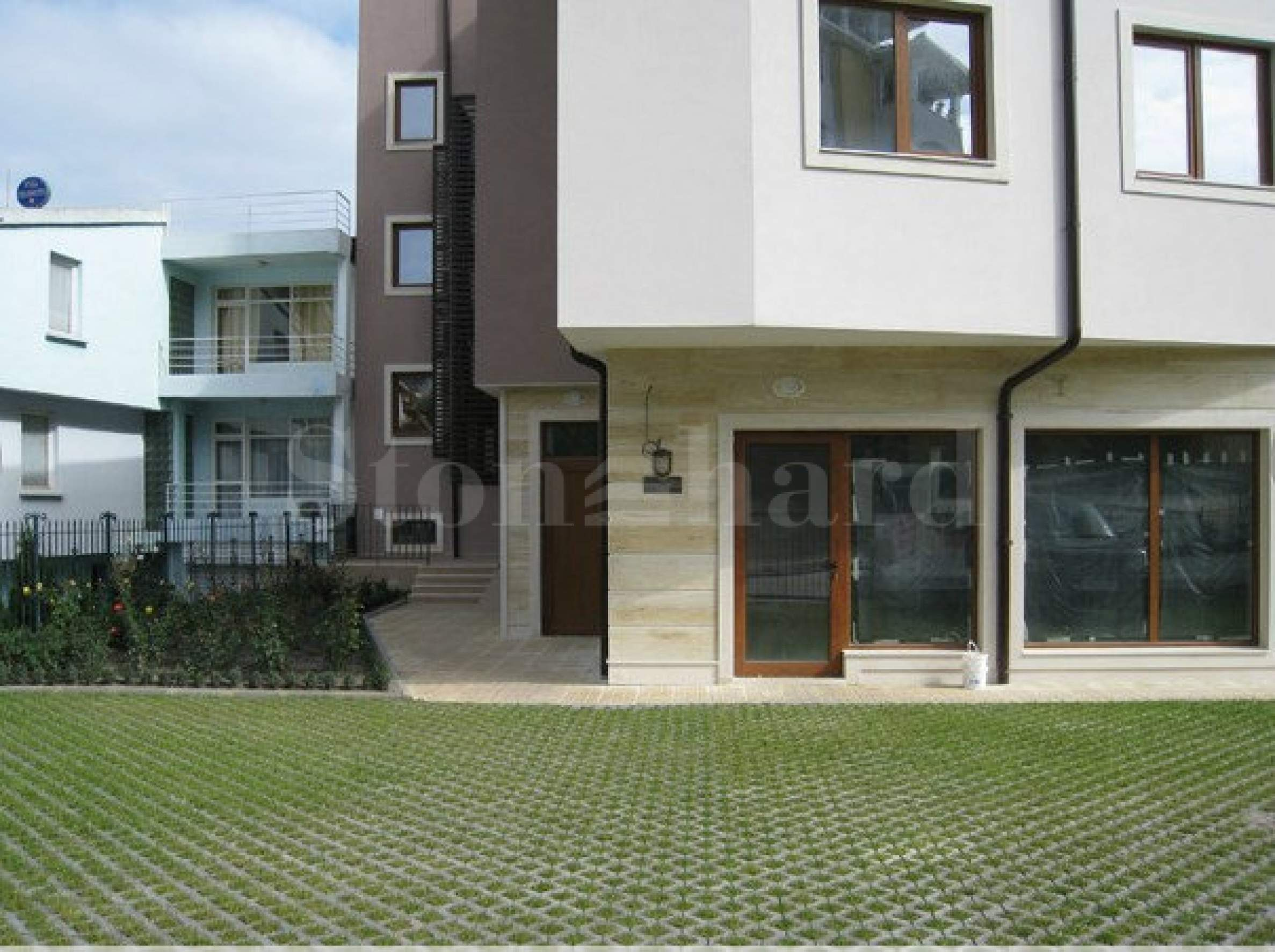 Панорамни апартаменти до ключ в м-т Евксиноград2 - Stonehard