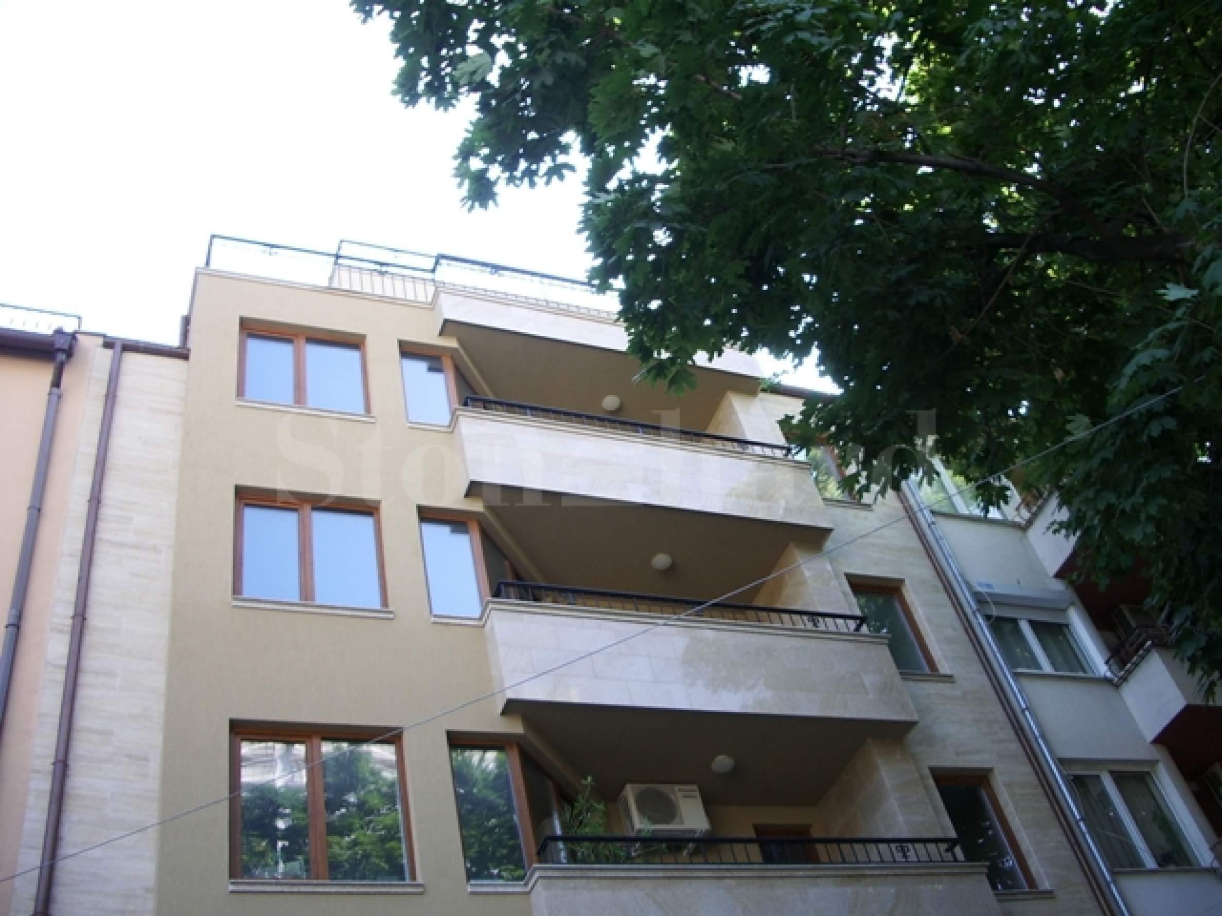 Апартаменти и офис в стилна сграда1 - Stonehard