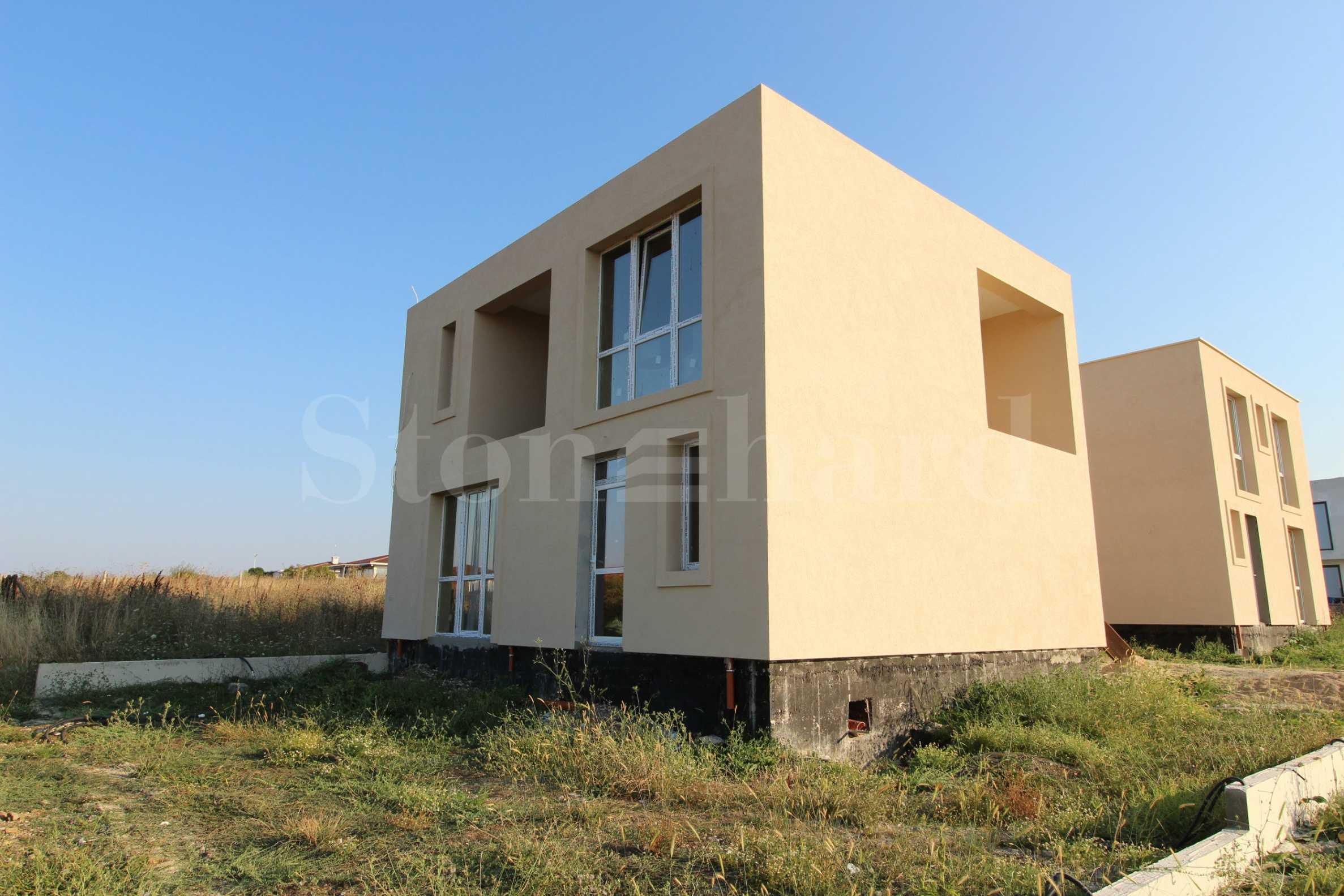 Обзаведена къща в минималистичен стил във вилна зона2 - Stonehard