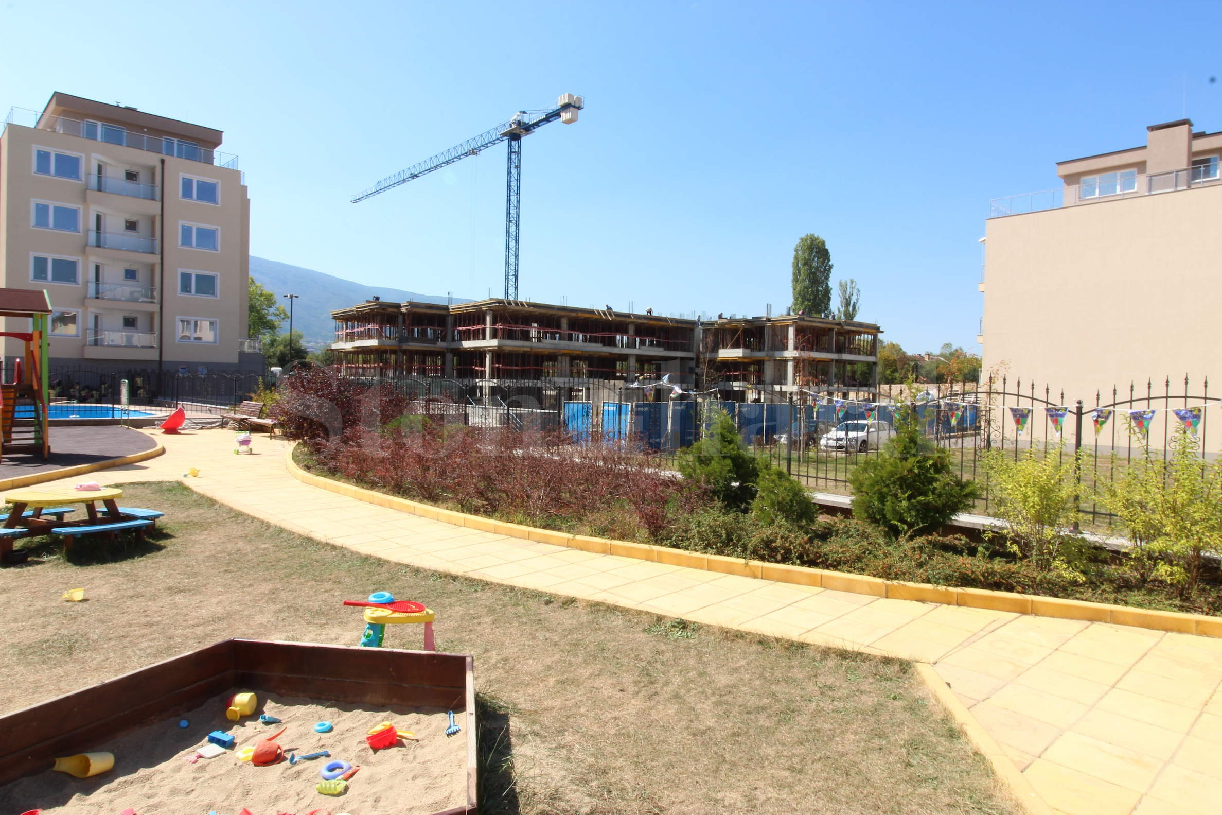 Modern gated complex with new apartments and many amenities in Vitosha District2 - Stonehard