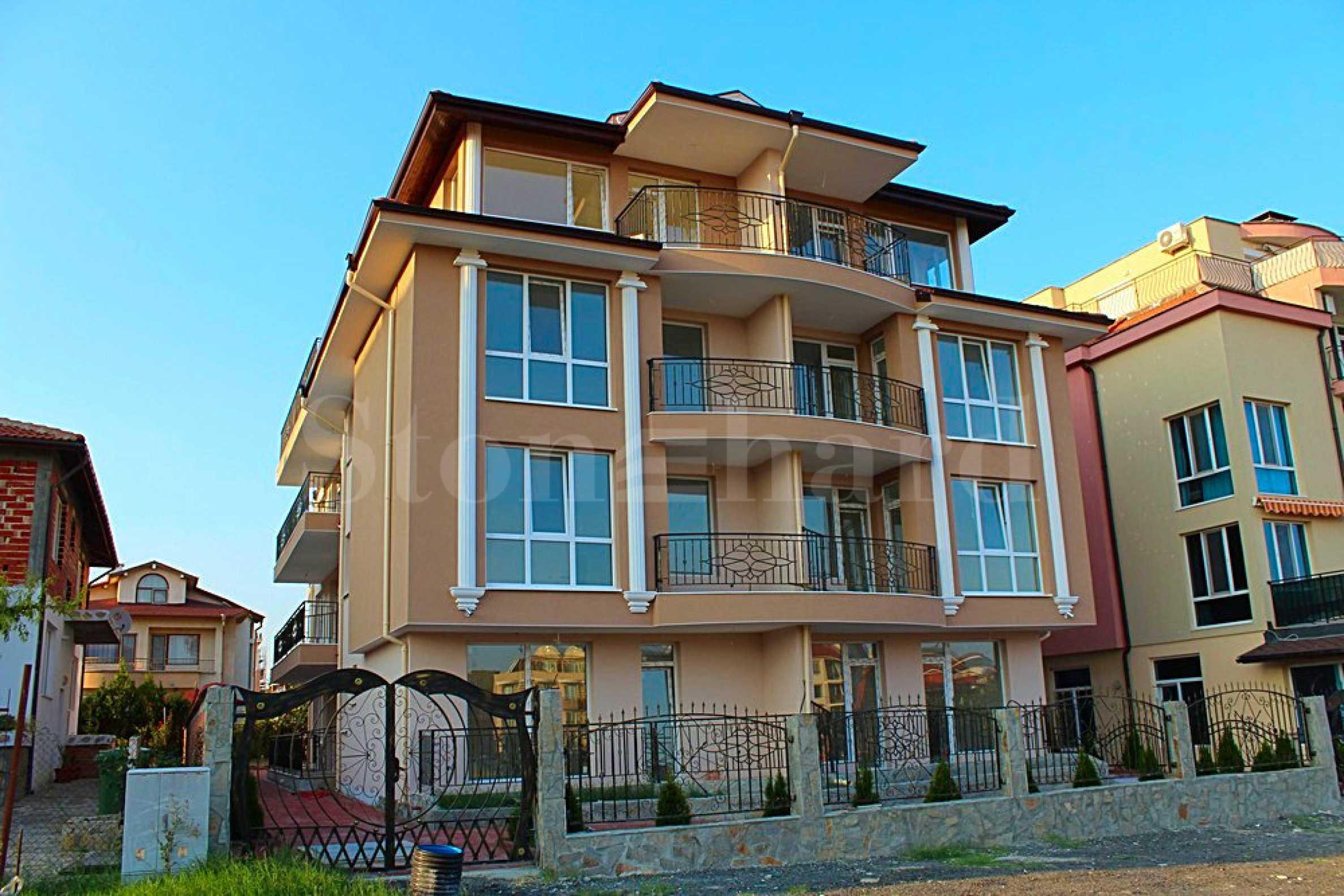 Двустайни апартаменти и студия в луксозно изпълнена жилищна сграда в Равда1 - Stonehard