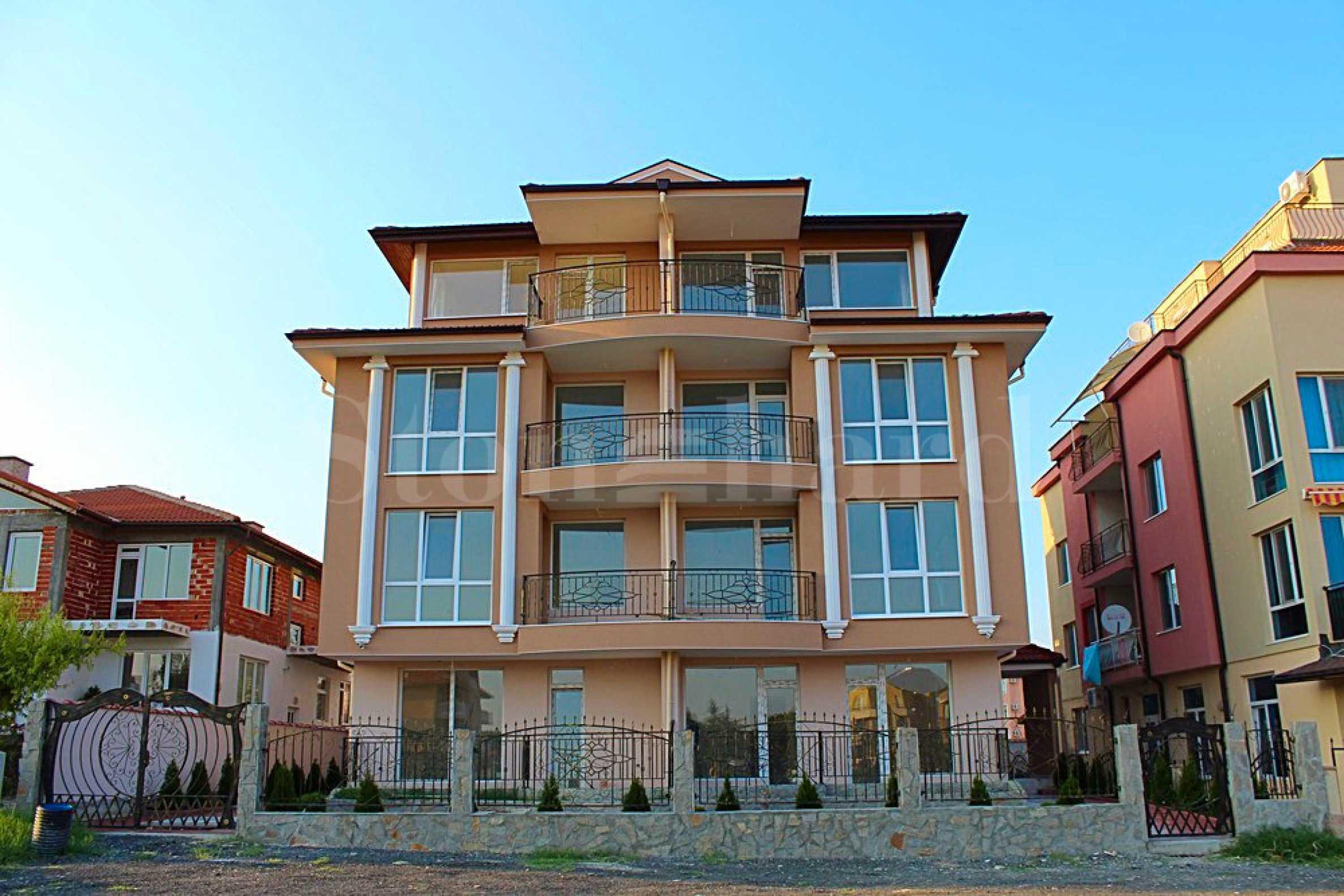 Двустайни апартаменти и студия в луксозно изпълнена жилищна сграда в Равда2 - Stonehard