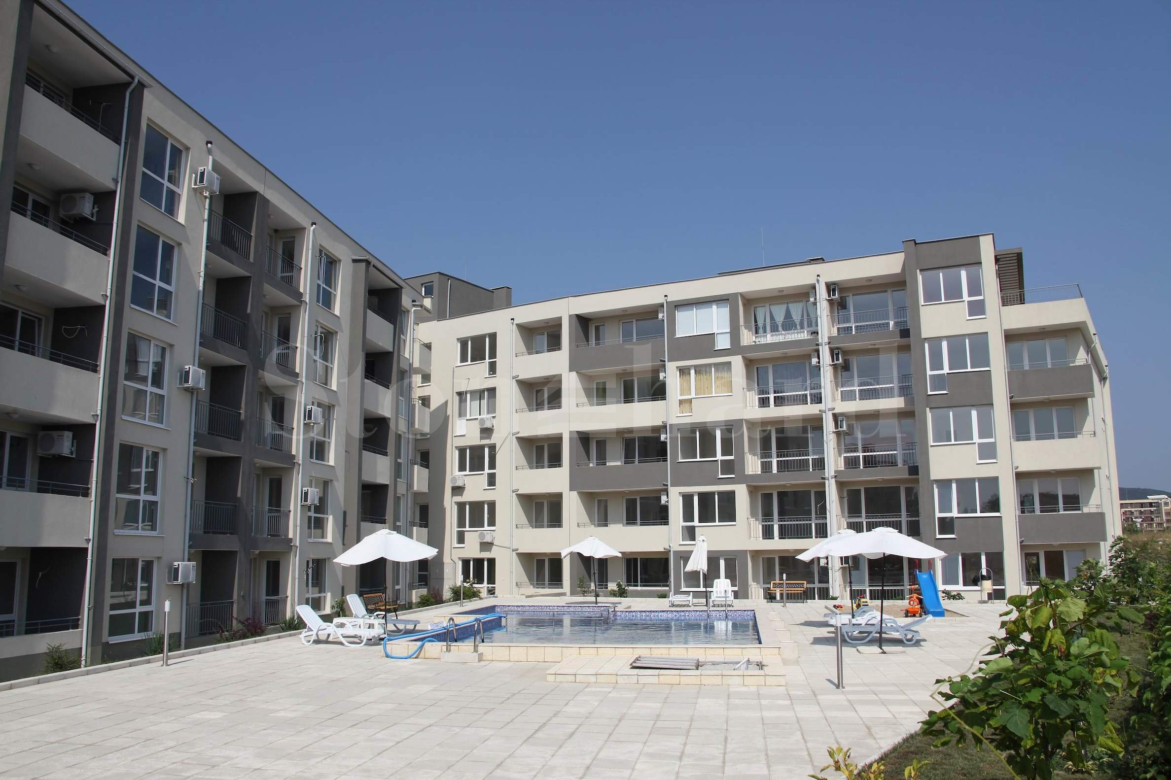 Cozy new development in the seaside resort of Sveti Vlas1 - Stonehard
