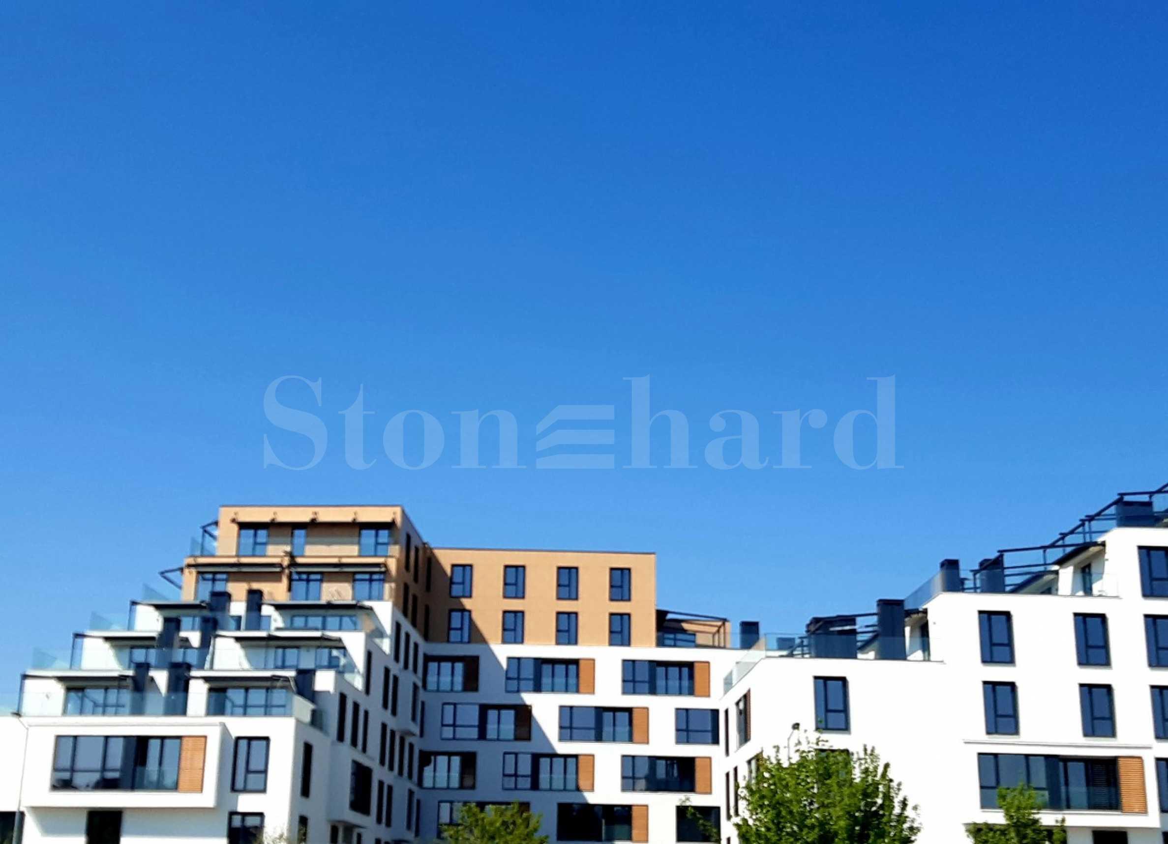 Жилищен комплекс с елегантна архитектура до парк и Мол Пловдив1 - Stonehard