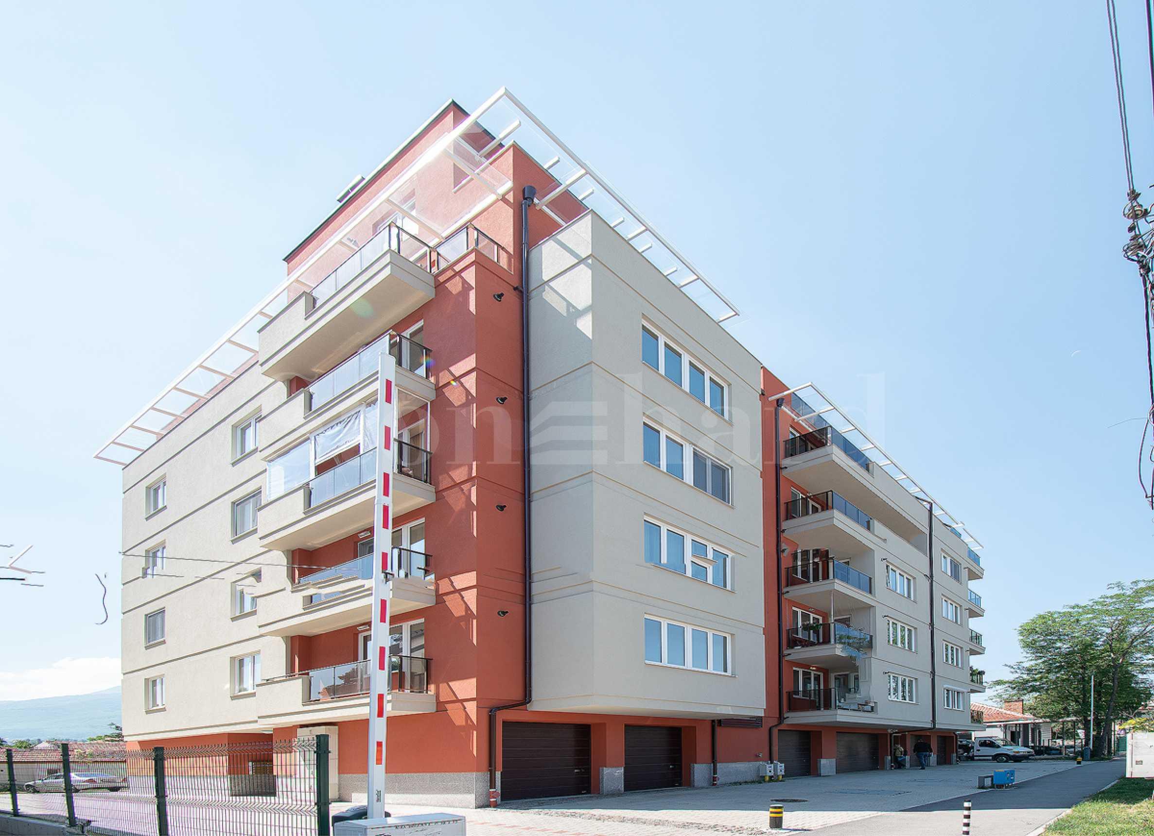 Жилищна сграда с различни типове апартамент в кв.