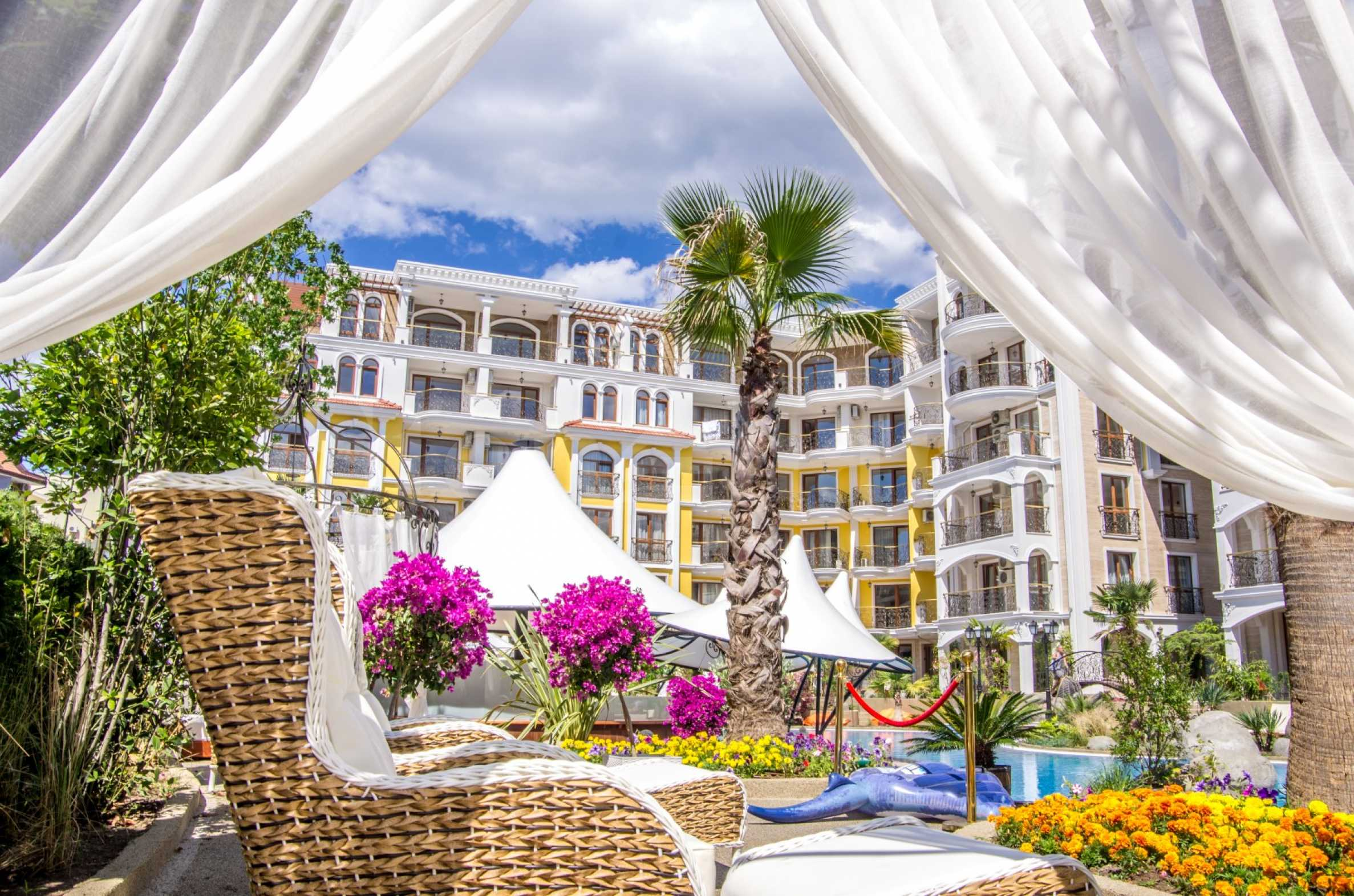 Impressive complex with a luxury Mediterranean style with elite apartments in Sunny Beach1 - Stonehard