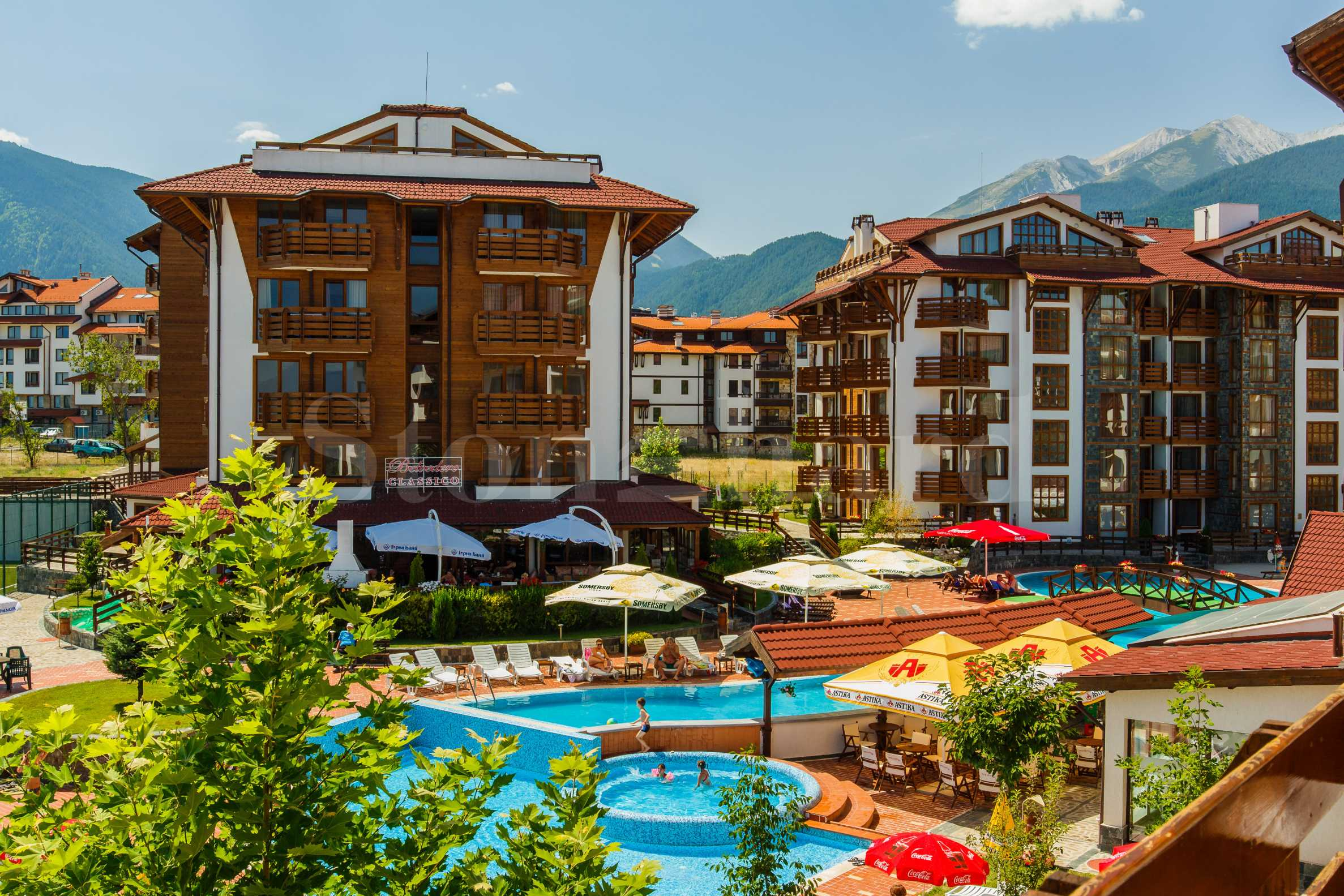 Gated residential complex near the Gondola lift of Bansko ski resort1 - Stonehard