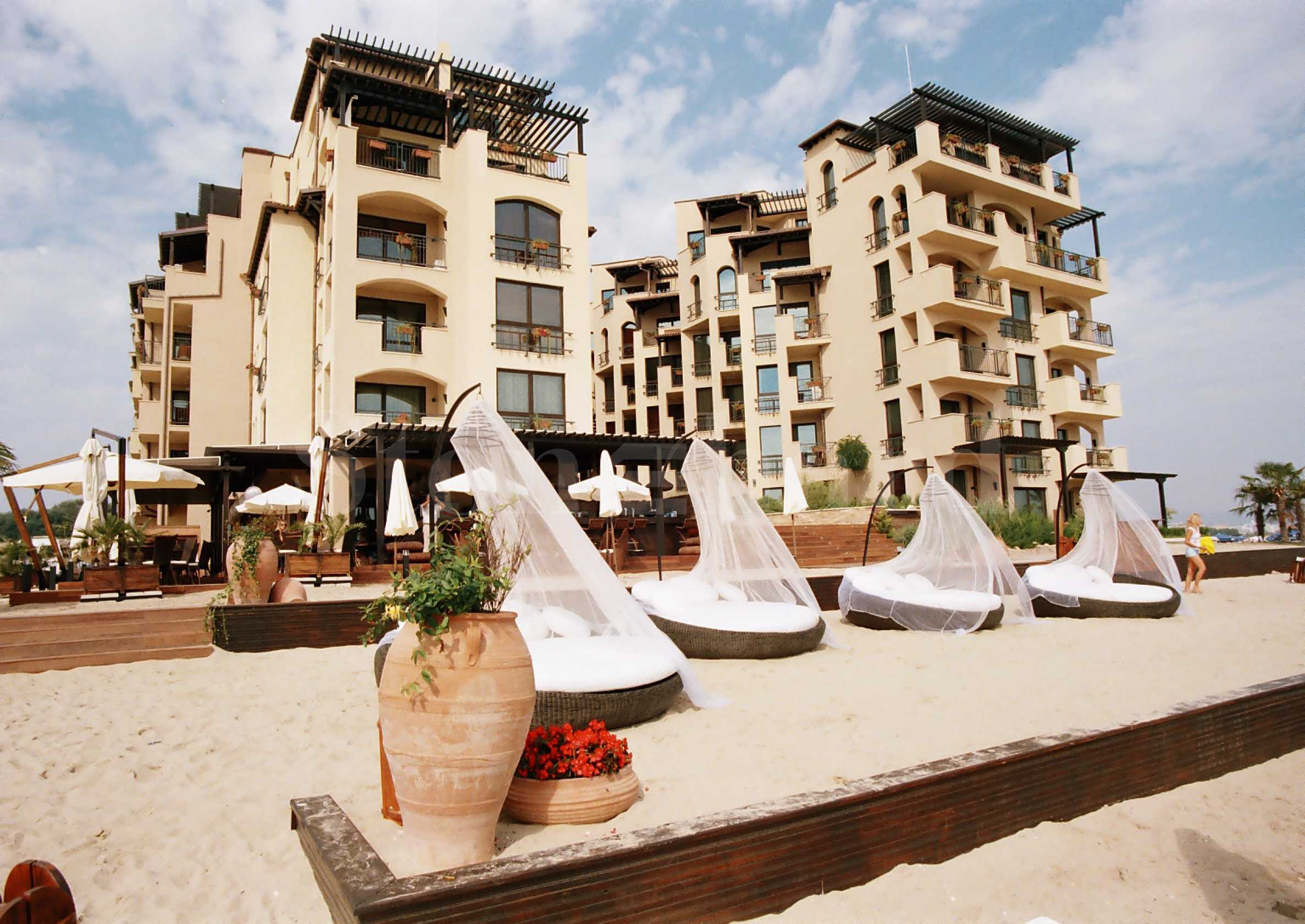 Beachfront designer apartments for sale in an elegant complex in Sunny Beach1 - Stonehard