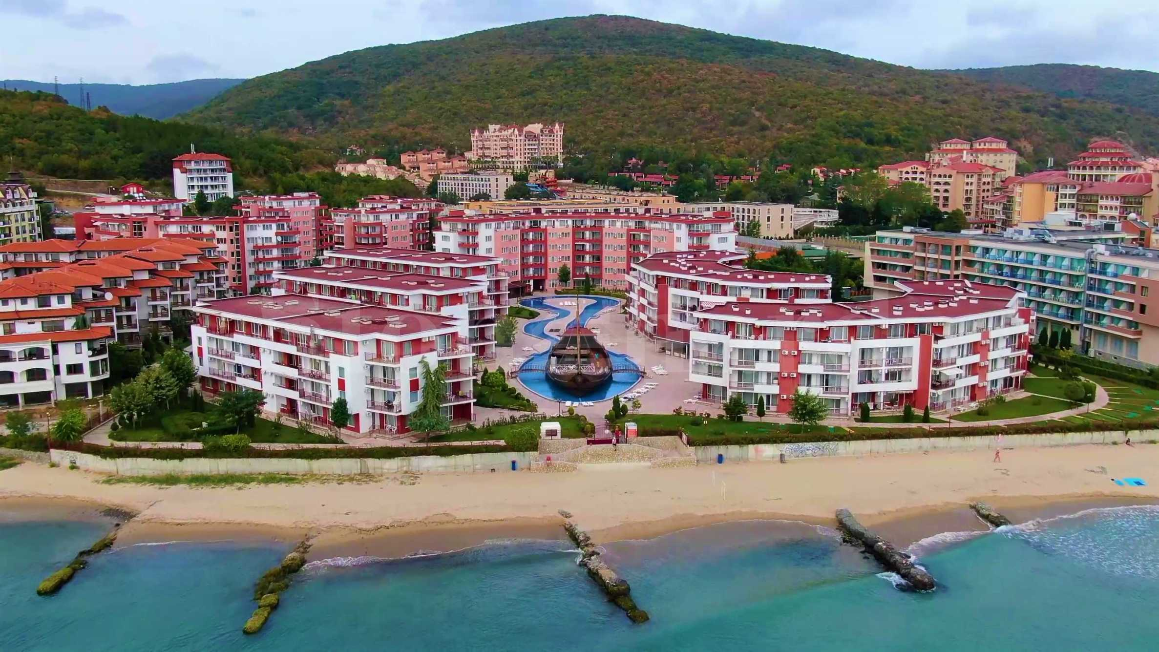 New apartments in a distinctive coastal complex in Elenite resort1 - Stonehard