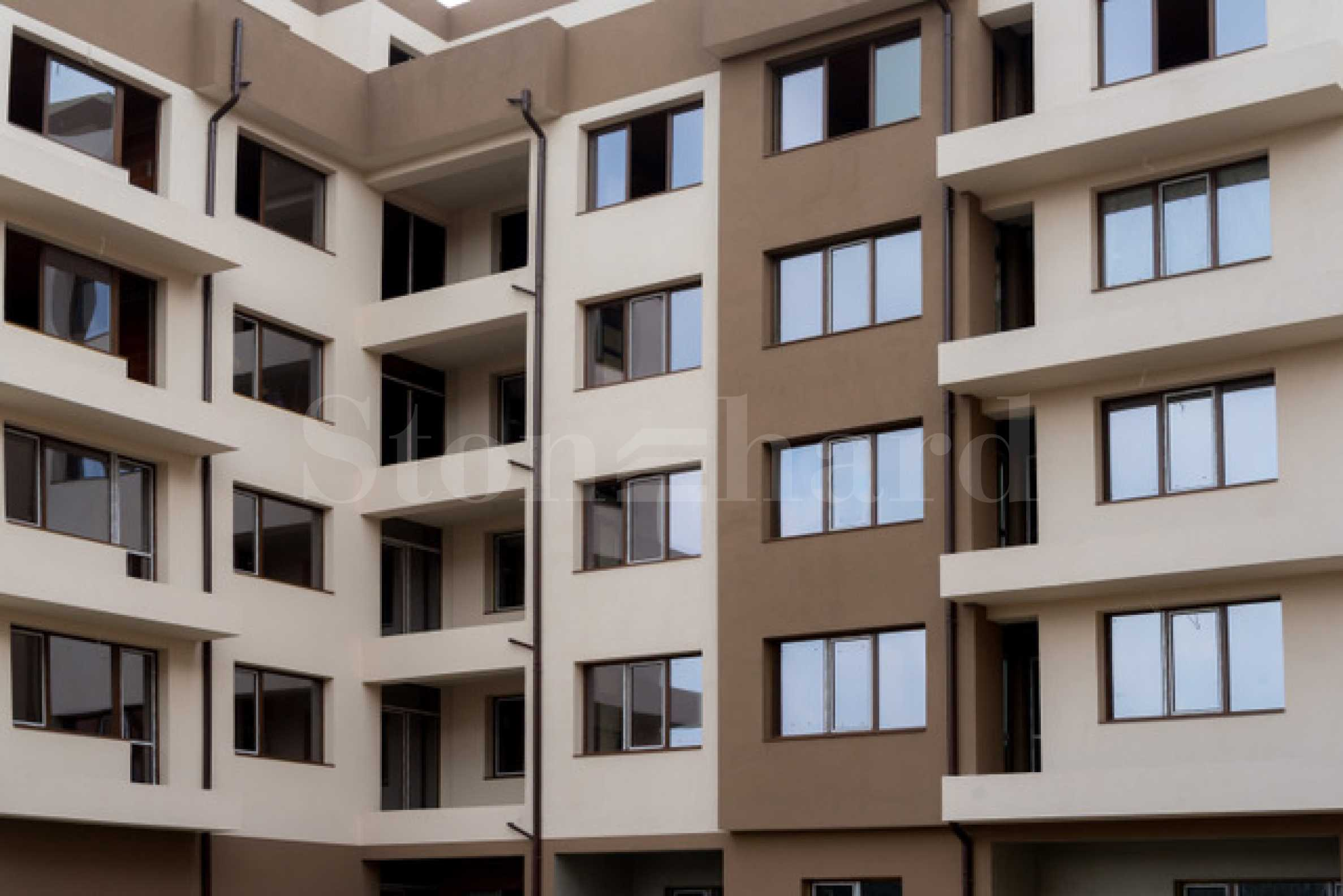 Building with Act 14 in a quiet location in a communicative and tidy neighborhood2 - Stonehard