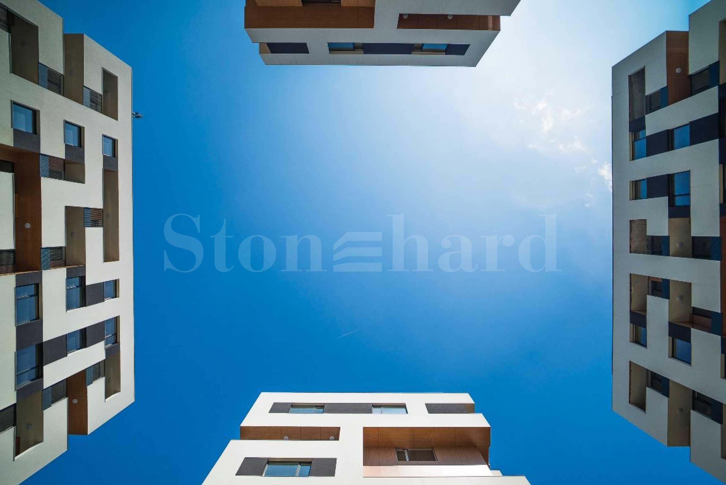 Иновативен жилищен комплекс до Grand Mall Варна2 - Stonehard