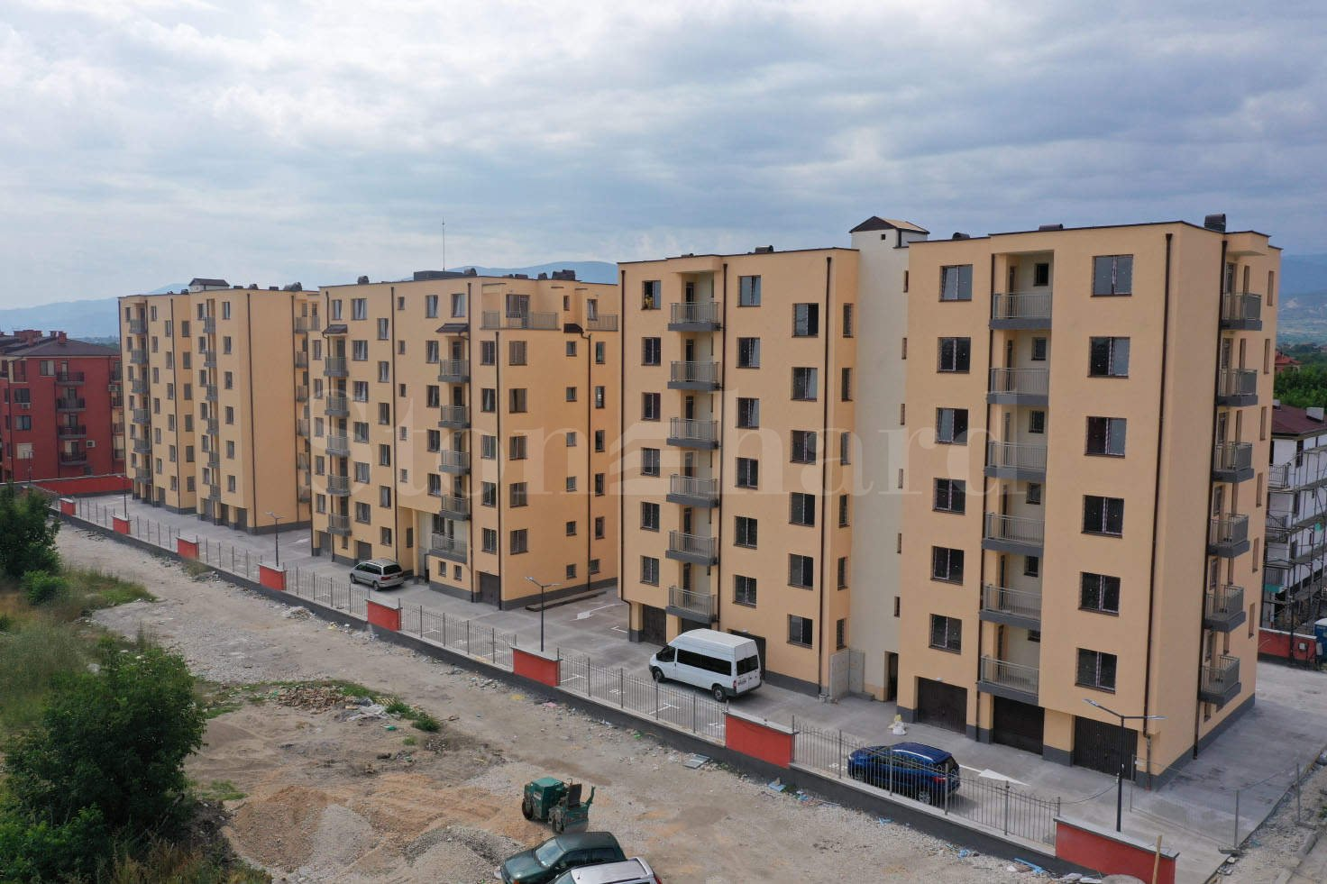 Apartments at attractive prices up to 650 € / m2 in a new building with Act 162 - Stonehard