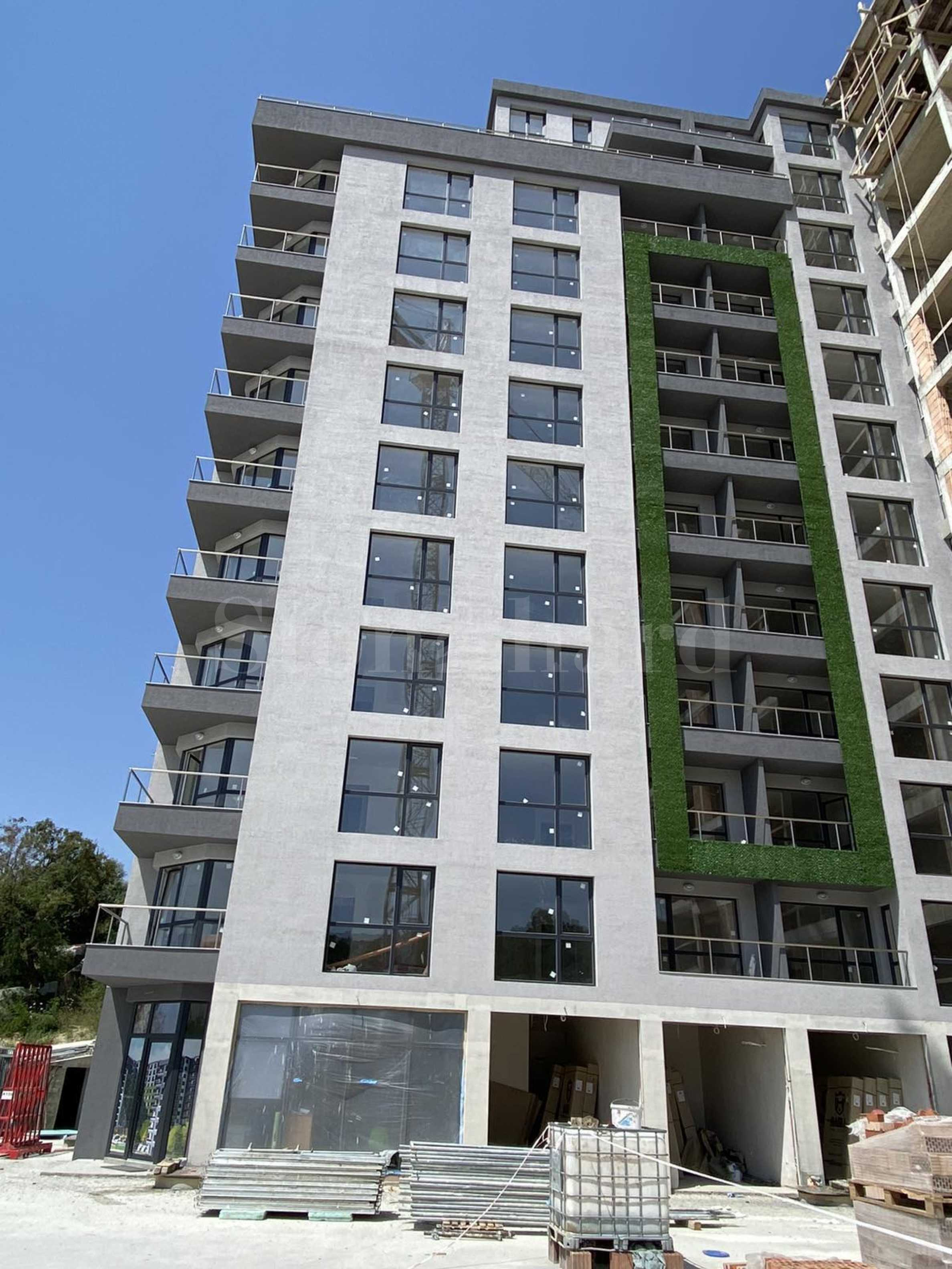 First phase. Innovative complex with apartments near Treti Mart Blvd.2 - Stonehard