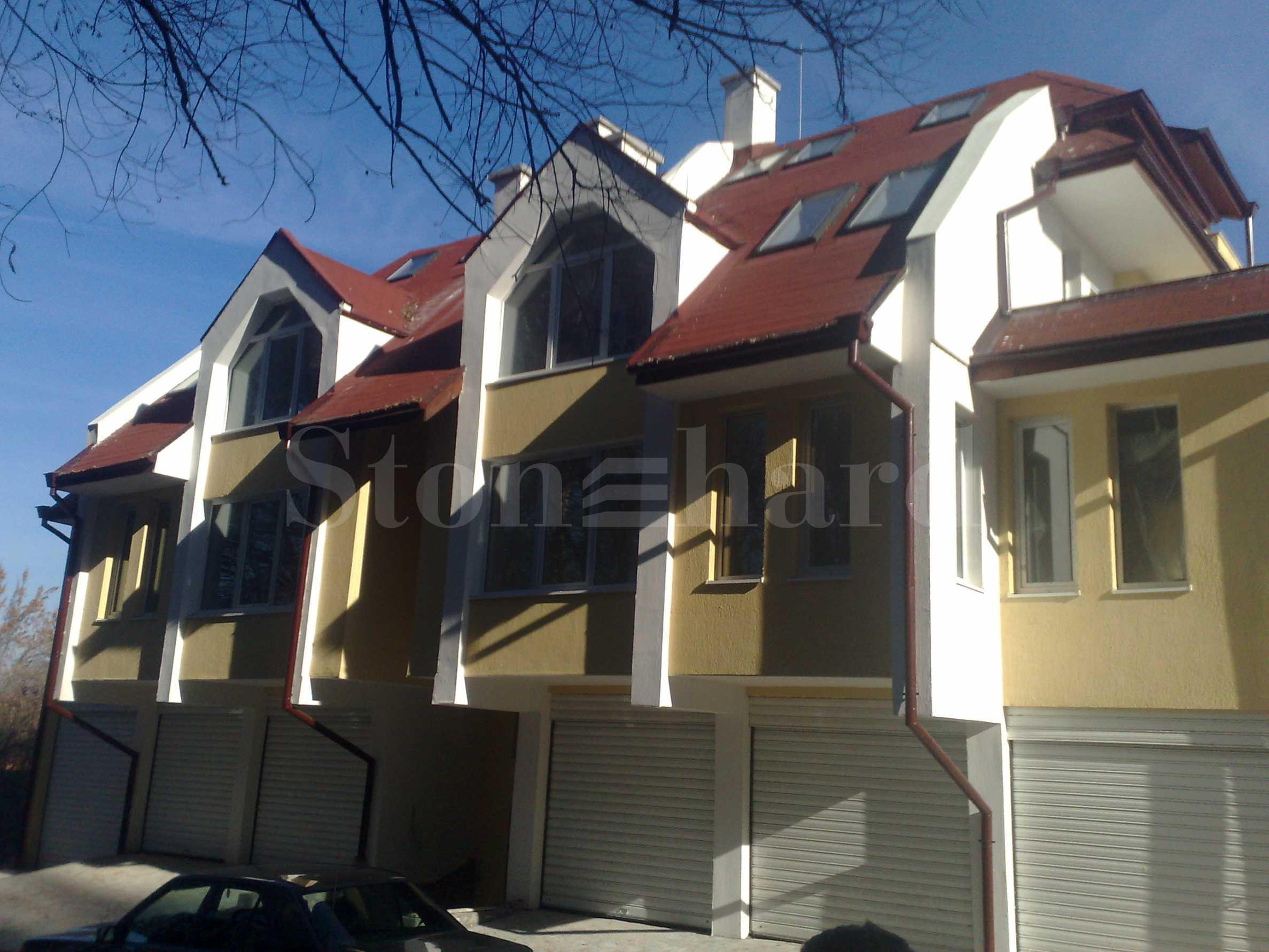 Апартаменти в сграда с Акт 16 до парка в центъра на Банско1 - Stonehard