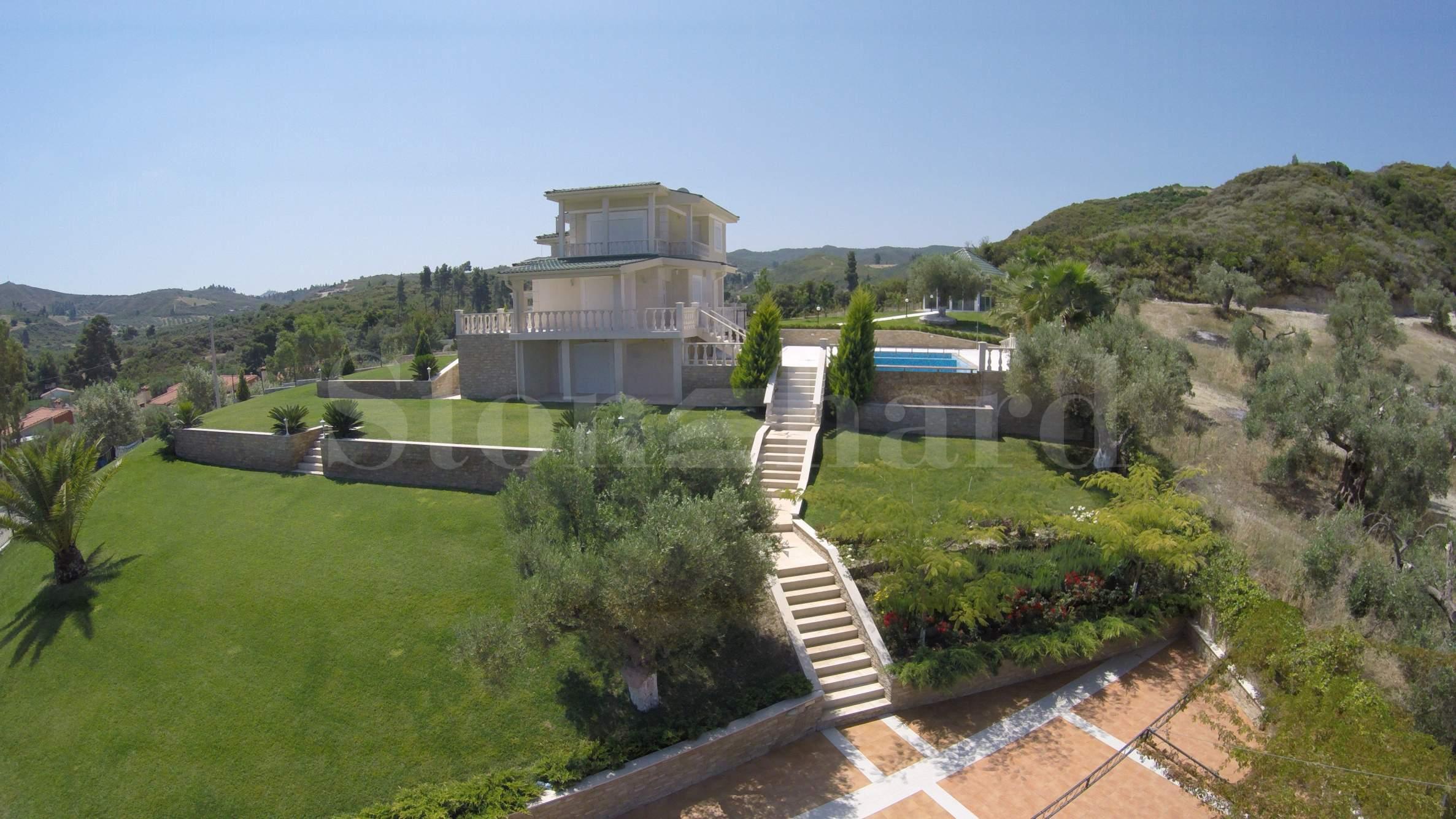 Нови вили готови за нанасяне с басейн и панорамна гледка2 - Stonehard