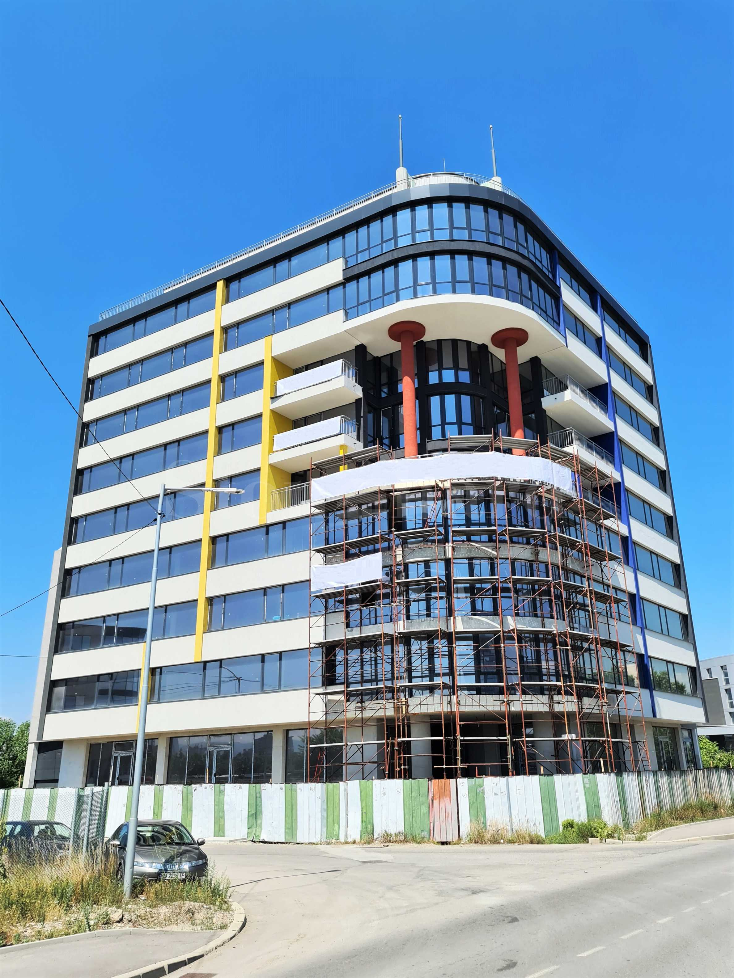 Модерна сграда с апартаменти и бизнес имоти до Летище София2 - Stonehard