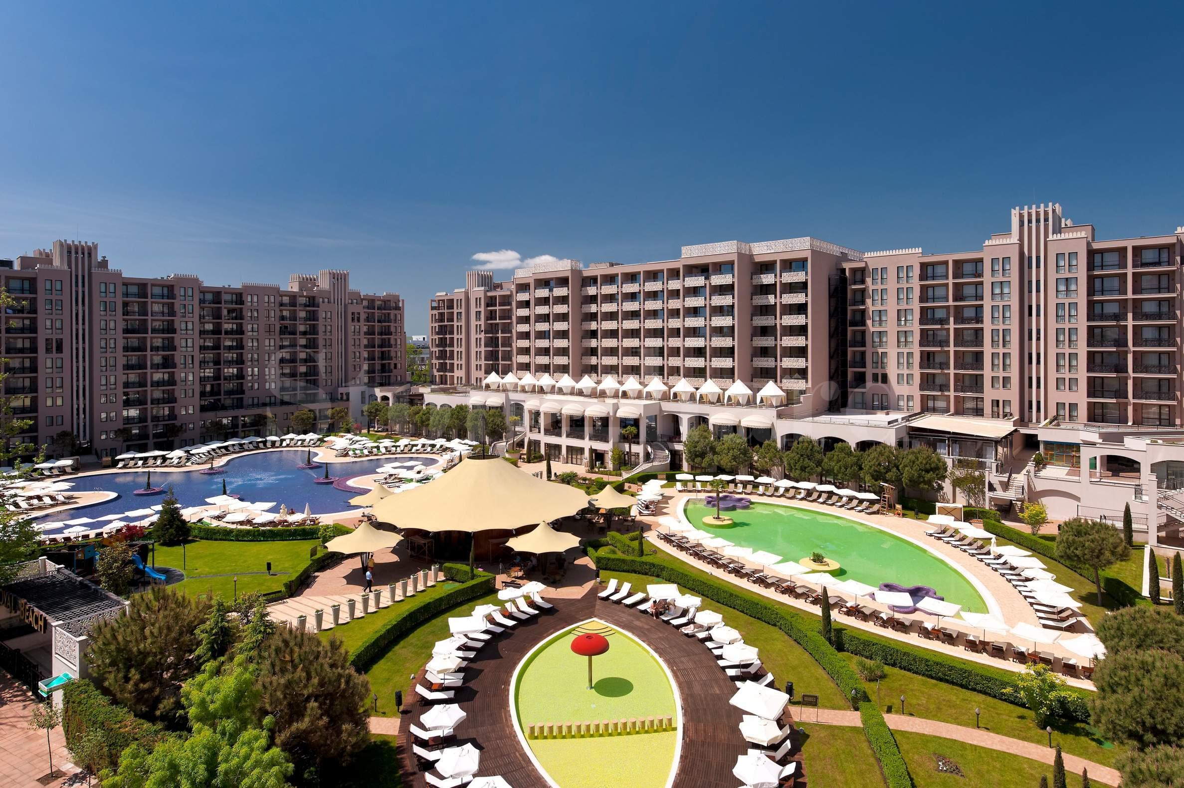 Апартаменти с дизайнерско обзавеждане в комплекс Barceló1 - Stonehard