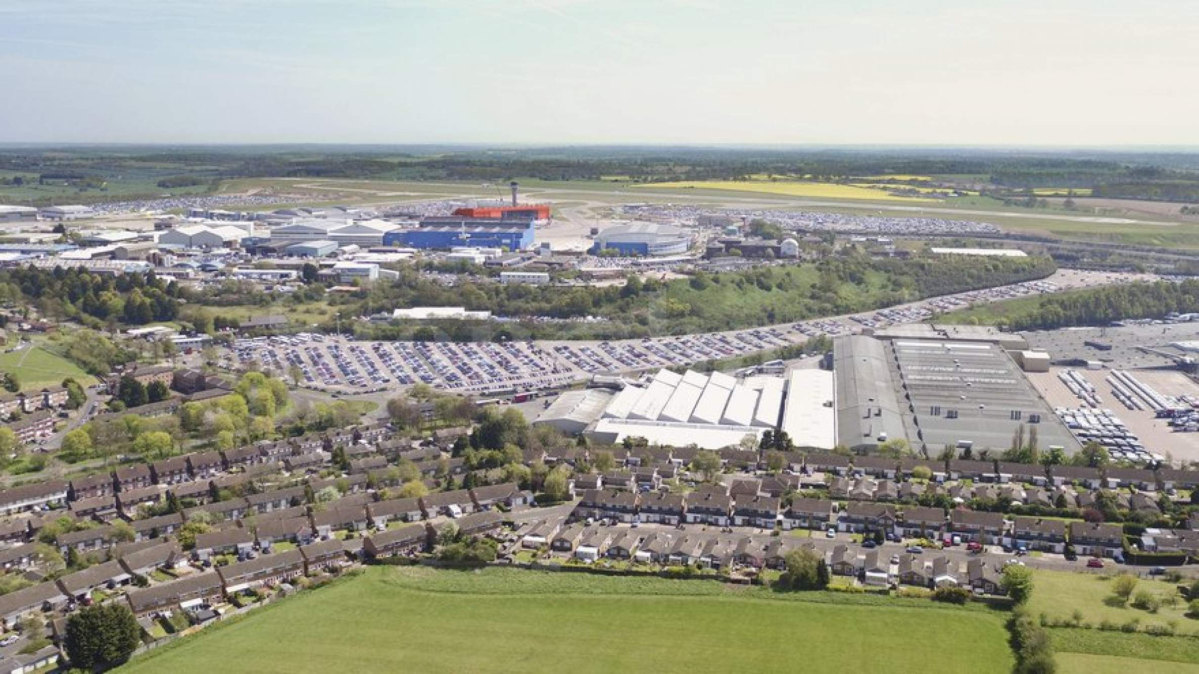 Parking spaces near London Luton Airport 1 - Stonehard