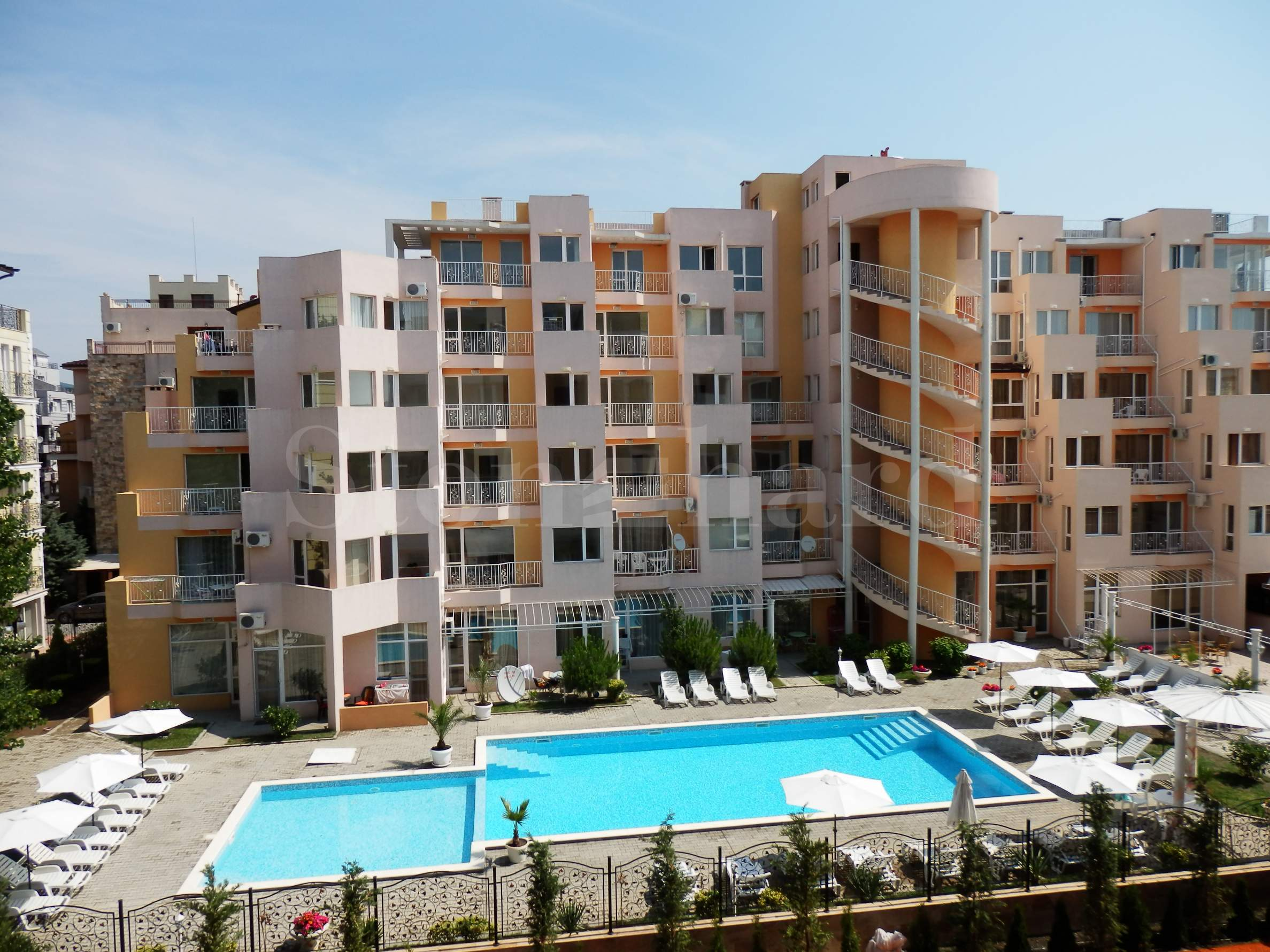 Ваканционни апартаменти в луксозен комплекс в центъра1 - Stonehard