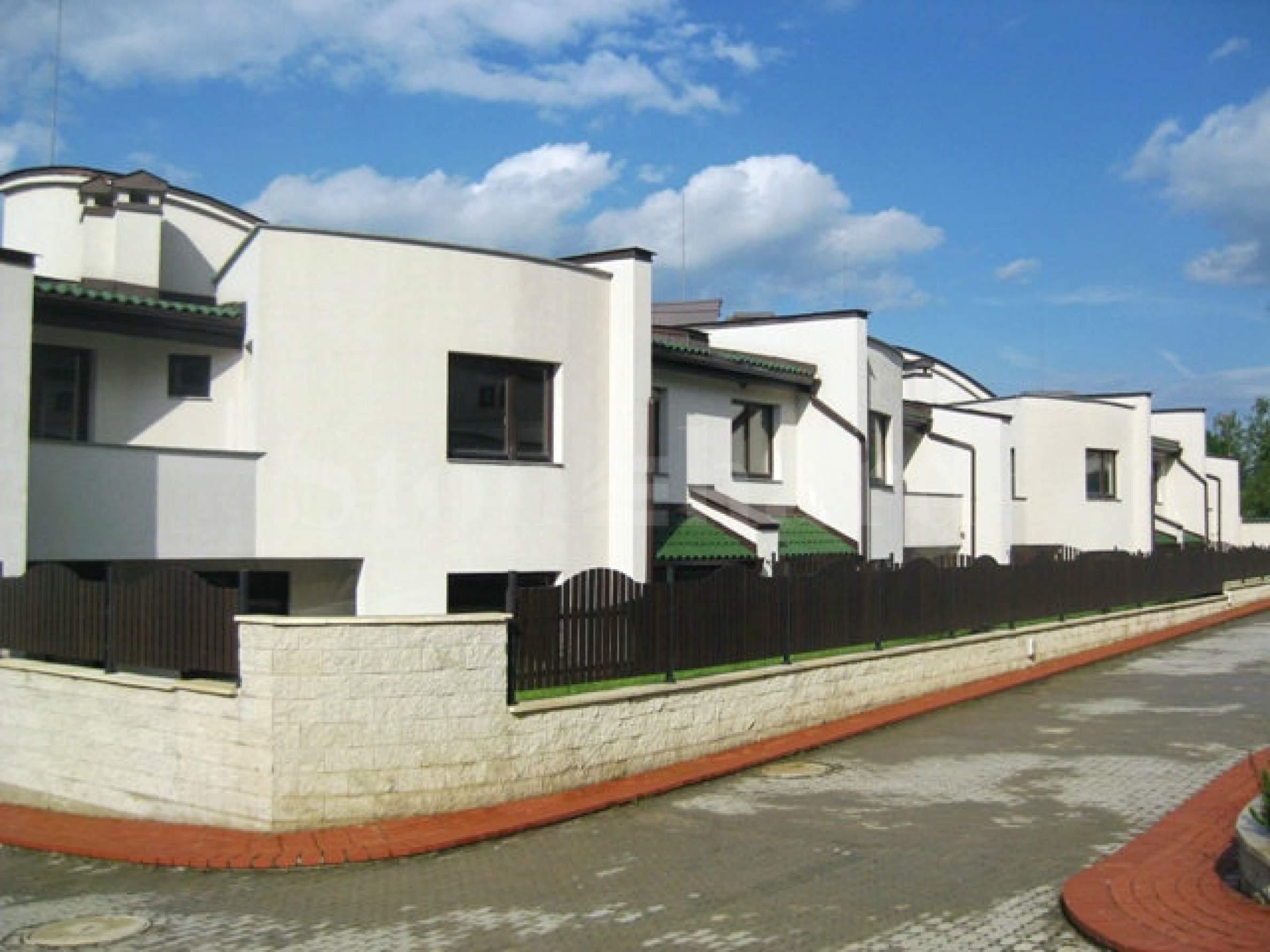 Луксозни семейни къщи в затворен комплекс с много екстри2 - Stonehard