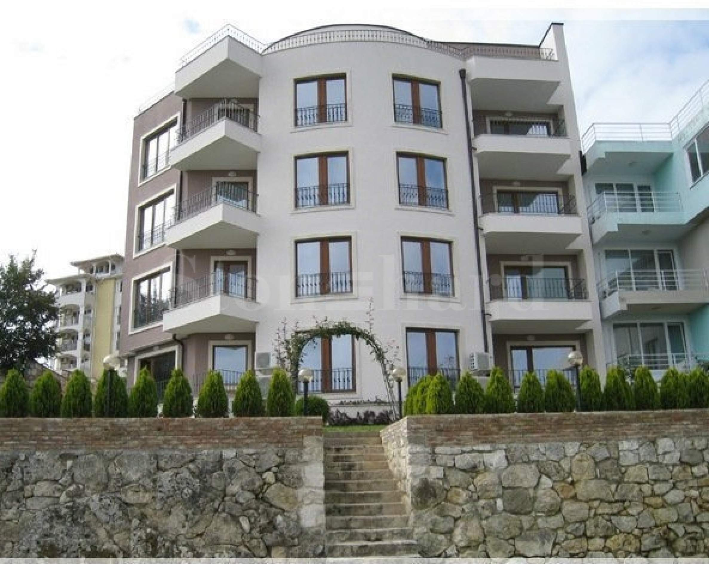 Apartments with sea view in a gated complex1 - Stonehard