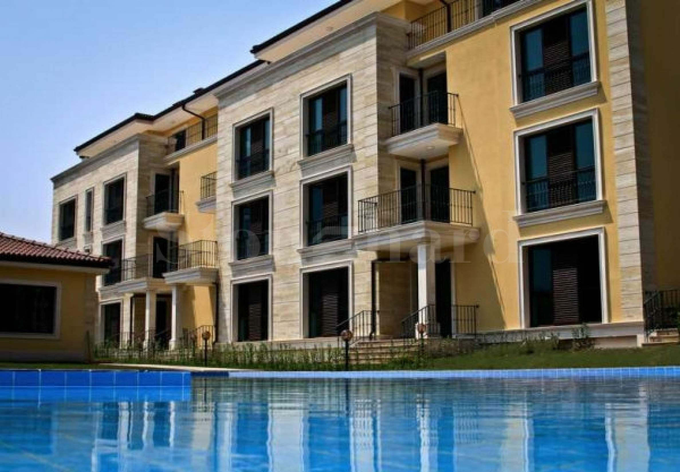1 and 2 bedroom apartments with parking space1 - Stonehard