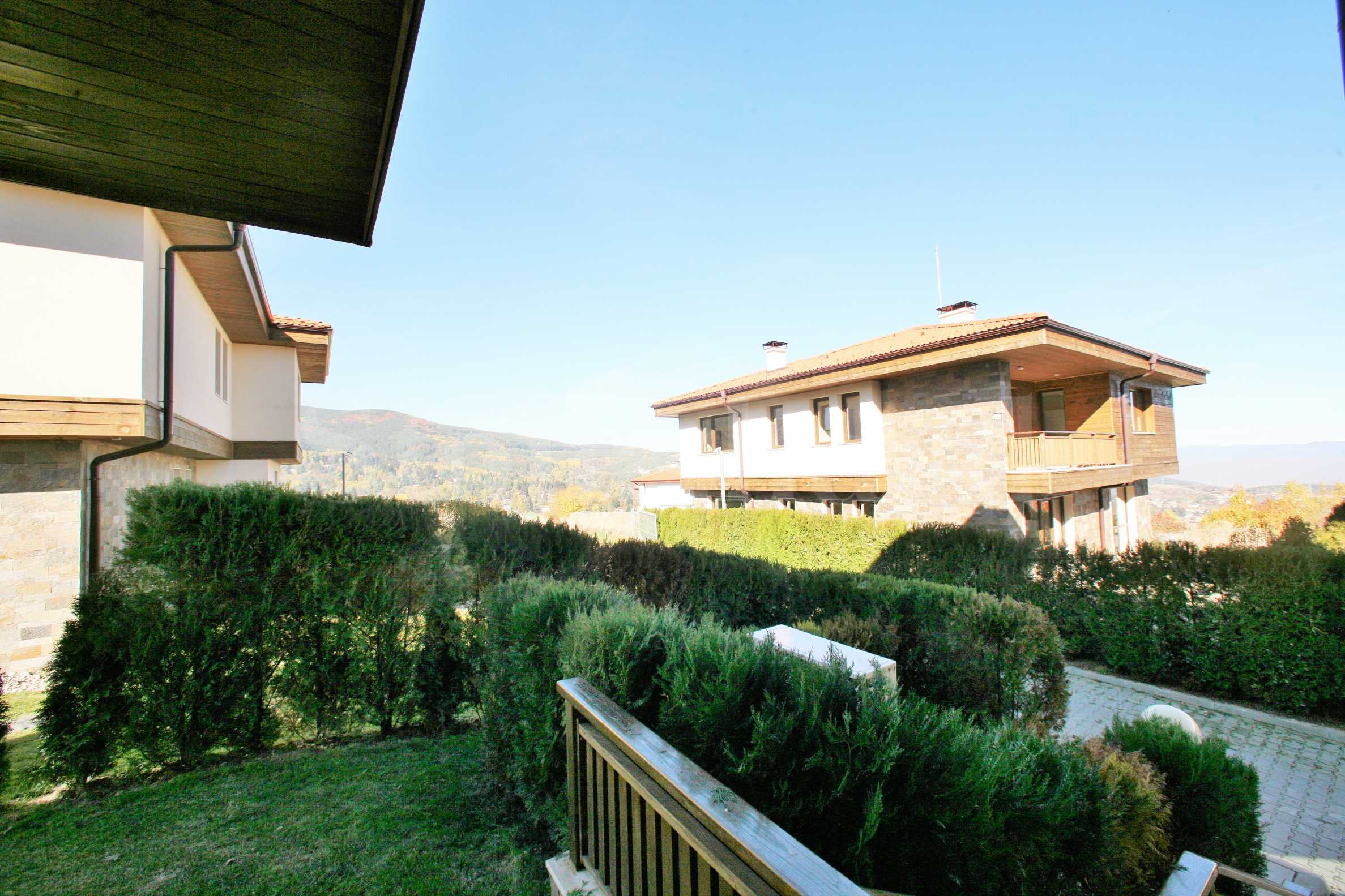 Luxury houses with panoramic views near the mountain1 - Stonehard