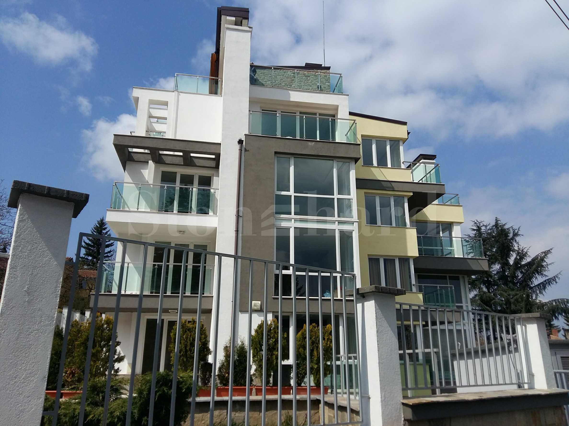 Последен 4-стаен апартамент с голяма тераса и паркомясто1 - Stonehard