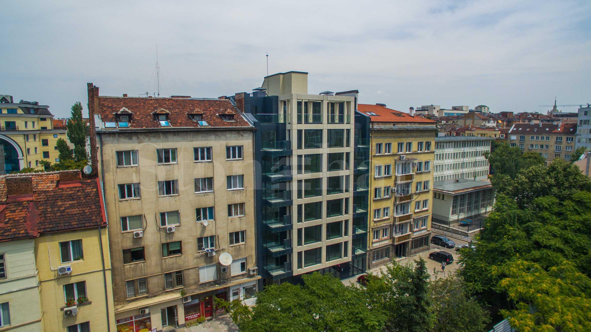 Последен 3-стаен апартамент и магазин в сграда с Акт 16 до Съдебната палата2 - Stonehard