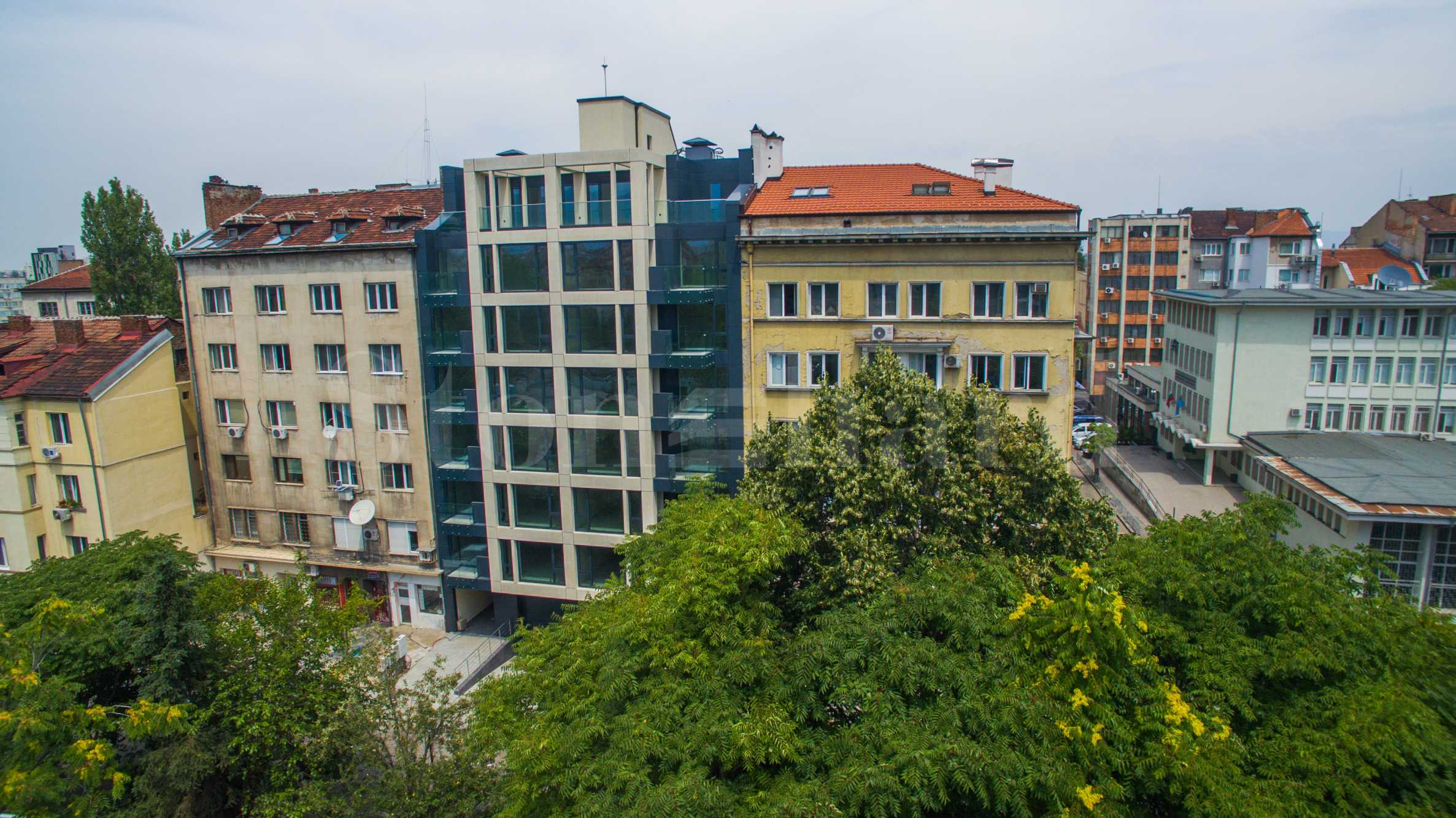 Последен 3-стаен апартамент и магазин в сграда с Акт 16 до Съдебната палата1 - Stonehard