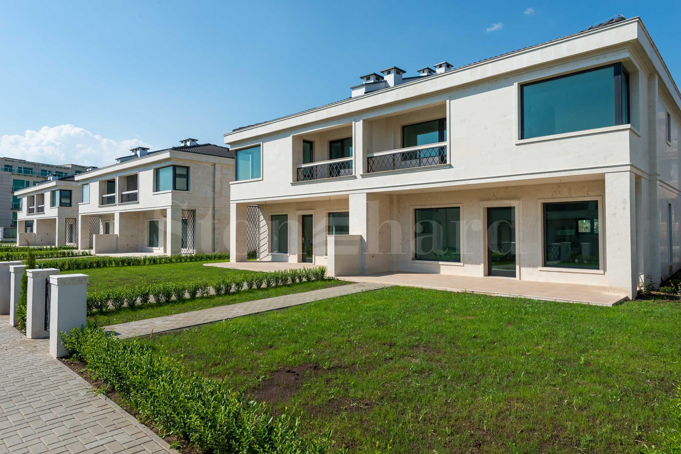 New complex of luxury villas in Sarafovo quarter in Burgas1 - Stonehard