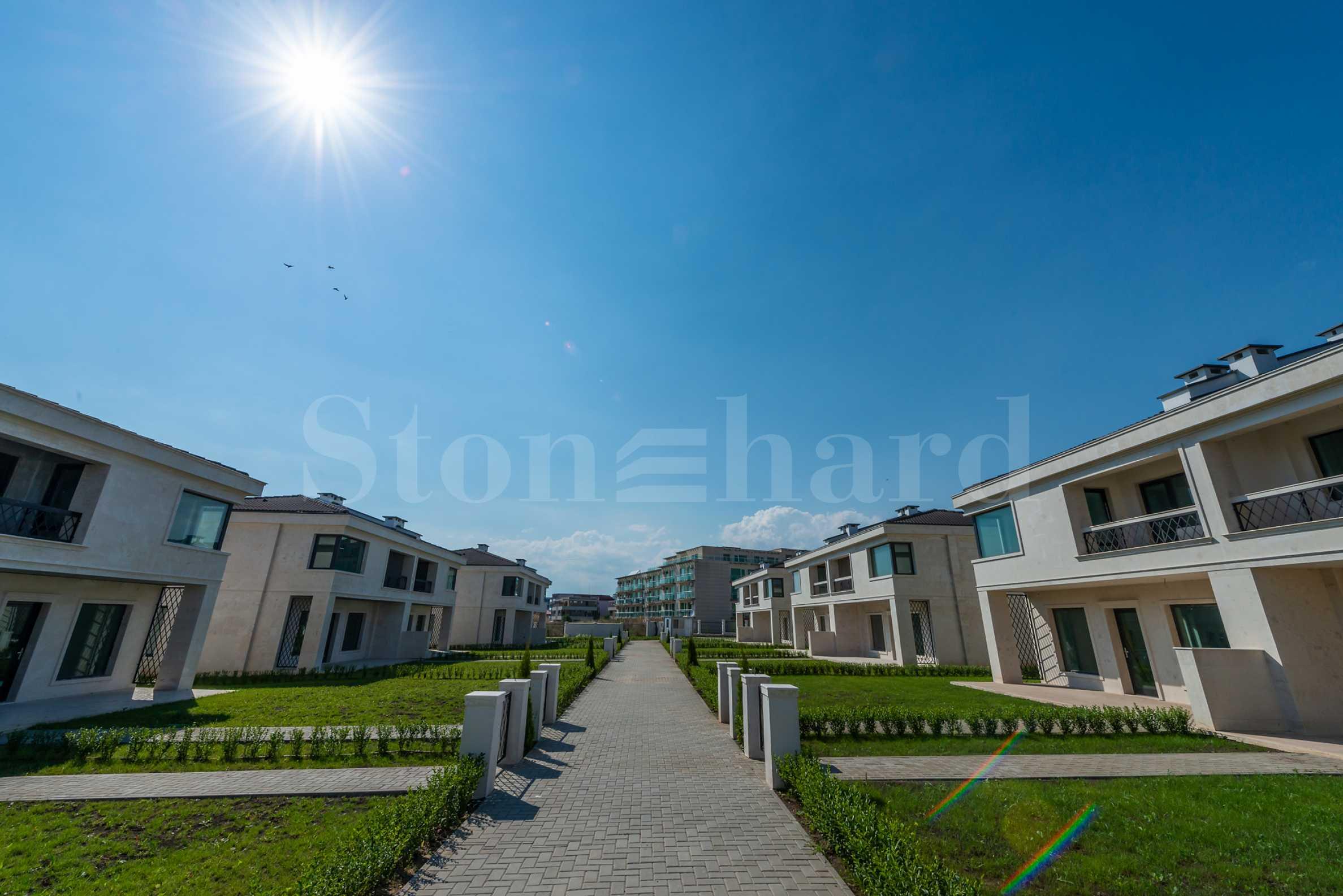 New complex of luxury villas in Sarafovo quarter in Burgas2 - Stonehard