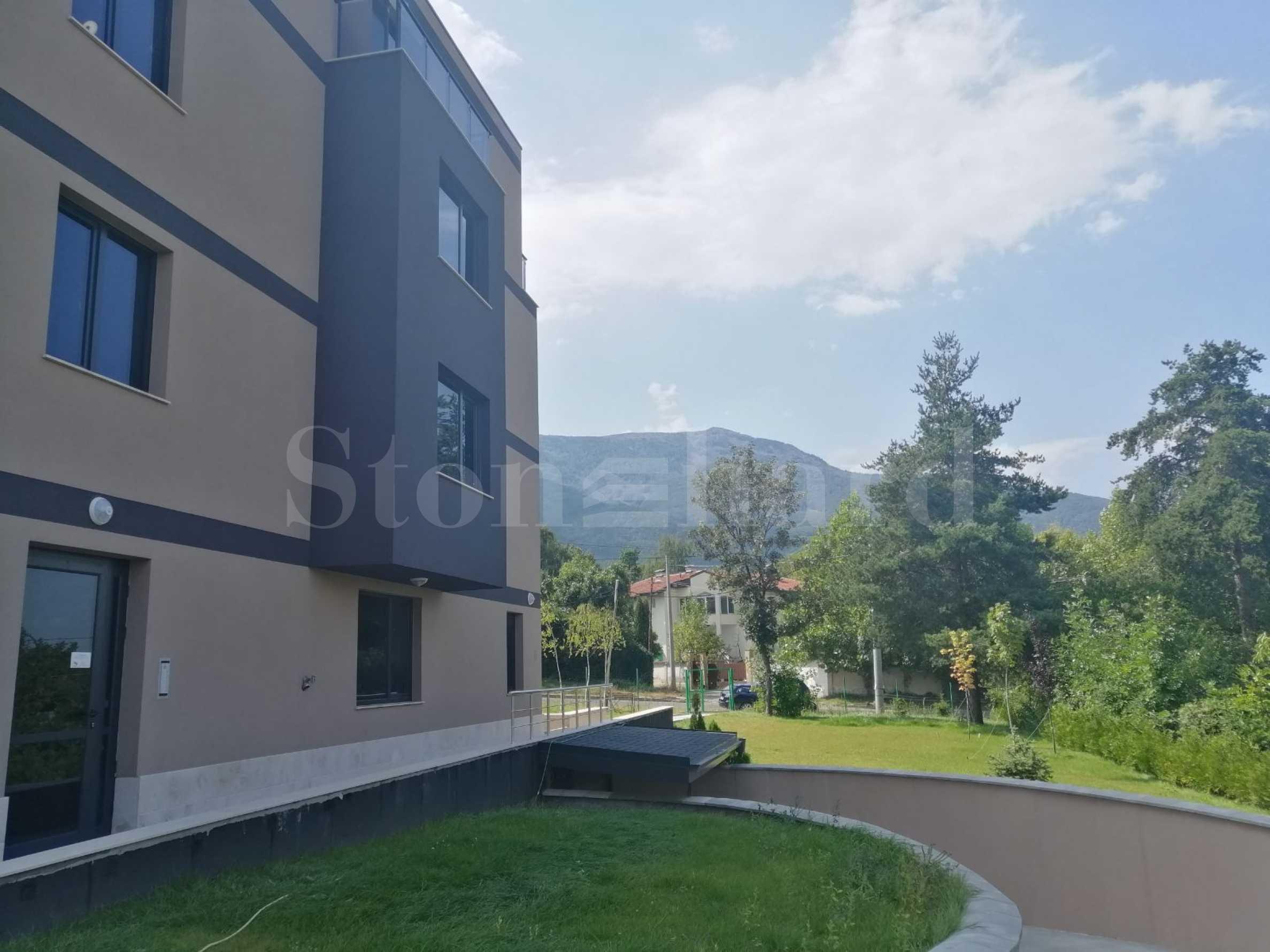 Нова жилищна сграда с гаражи до бул. Симеоновско шосе и Витоша1 - Stonehard