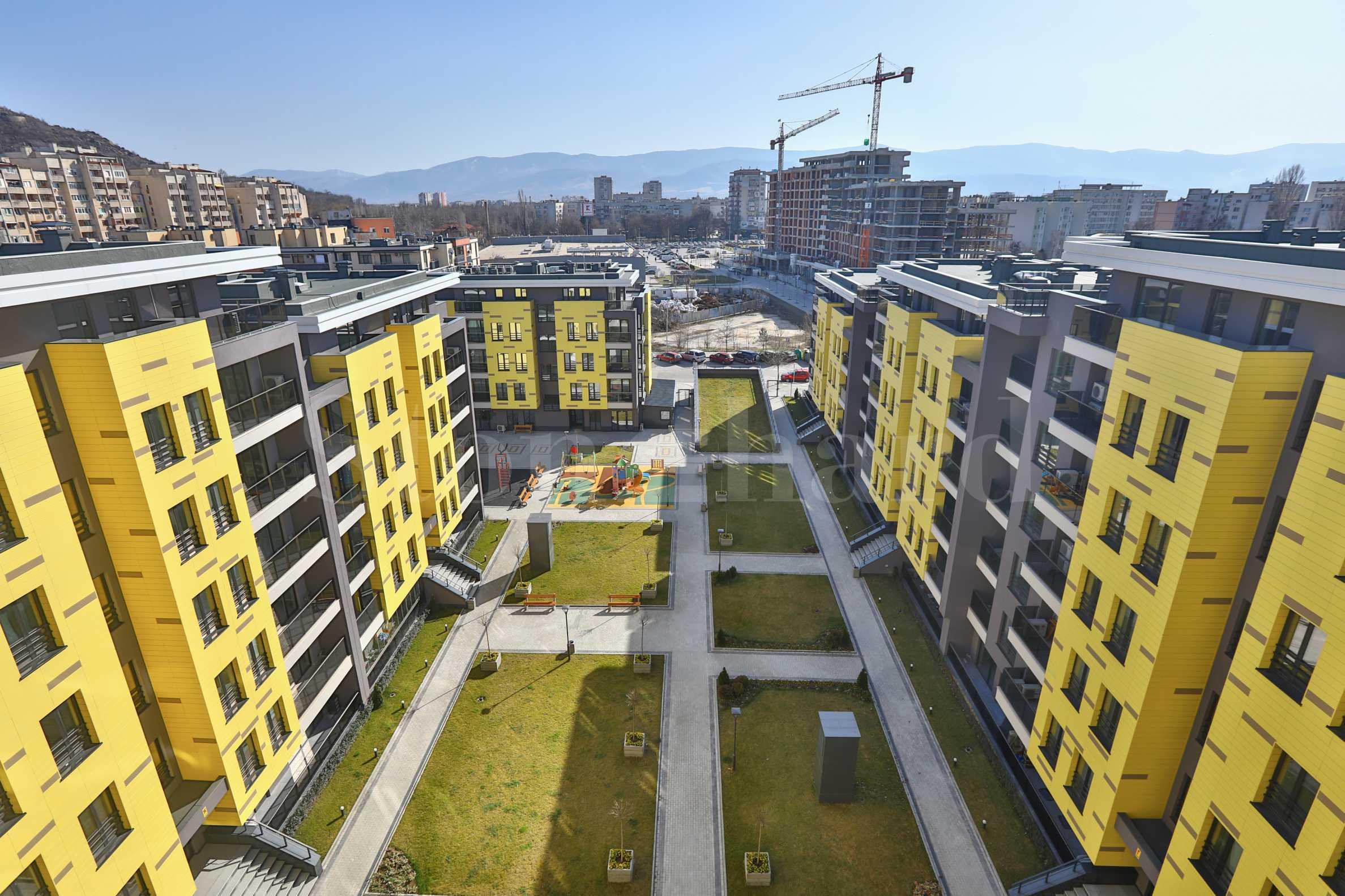 Жилищен комплекс до Mall Plovdiv и Гребната база с Акт 161 - Stonehard