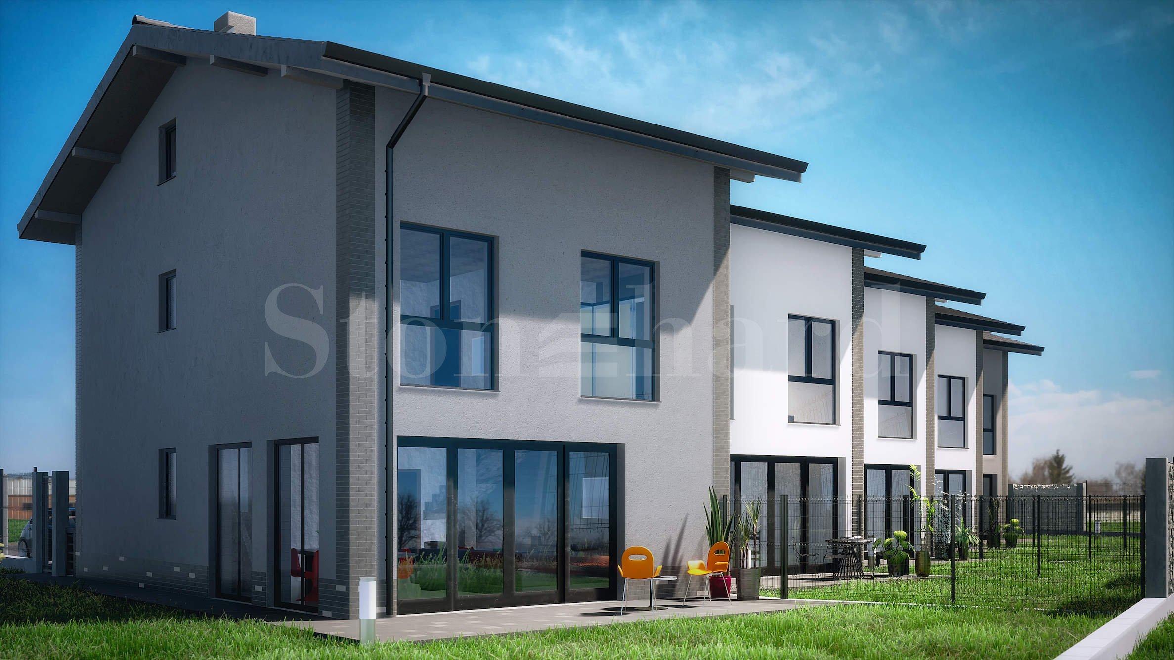 5 двуетажни редови къщи на няколко минути от Пловдив2 - Stonehard